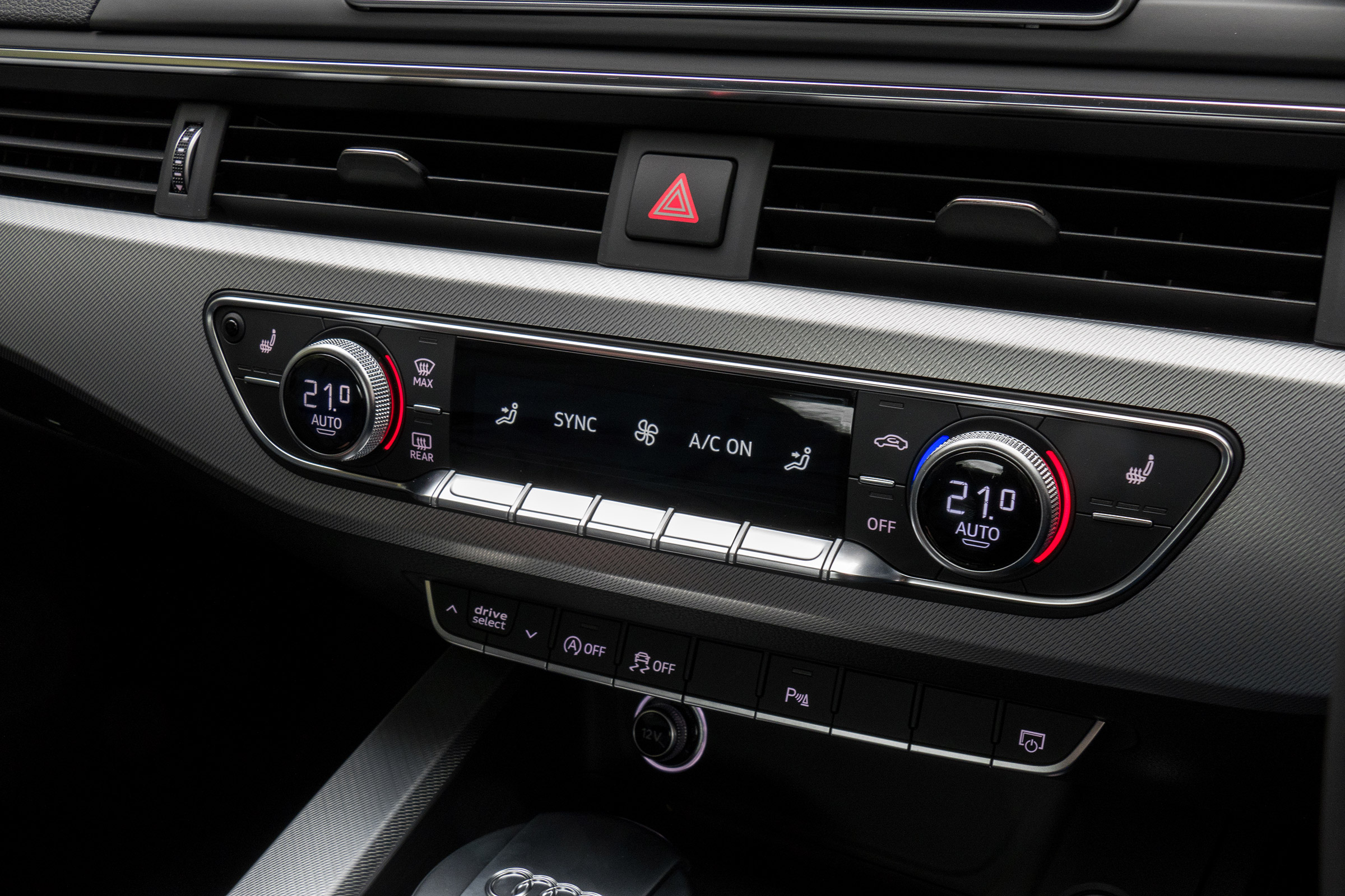 2017 Audi A5 Coupe Interior View Climate Control (Photo 15 of 21)