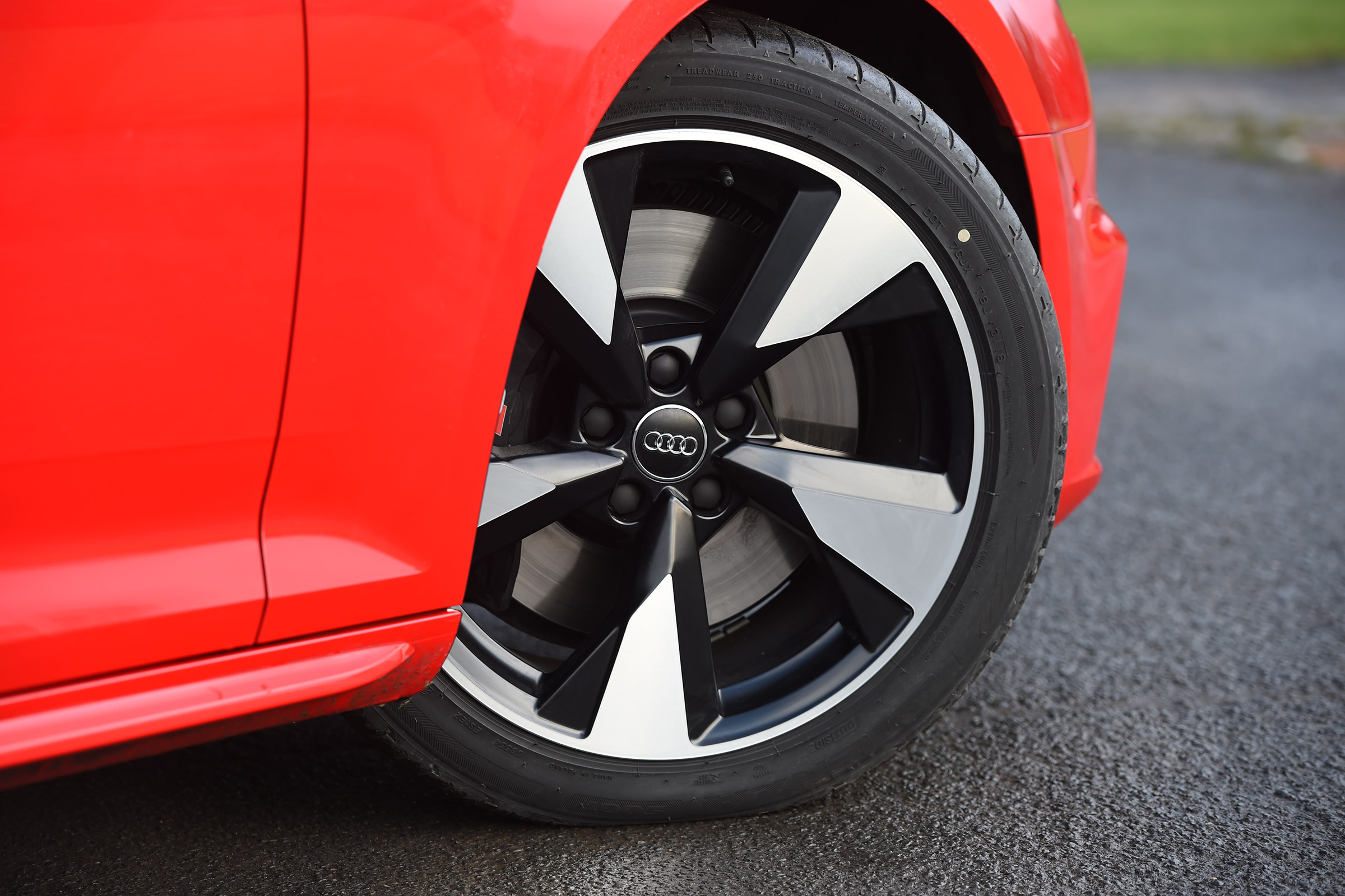 2017 Audi S4 Avant Exterior View Wheel Profile (Photo 6 of 17)