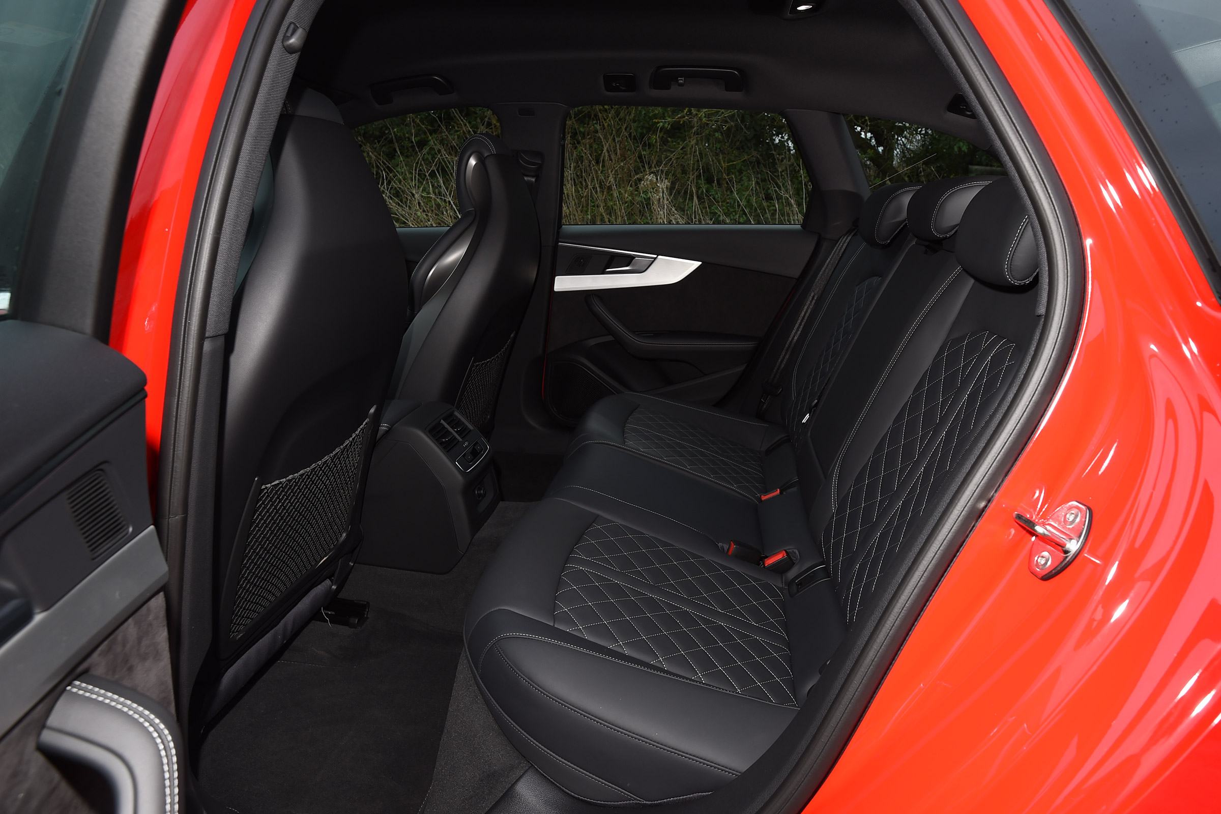 2017 Audi S4 Avant Interior Seats Rear (Photo 8 of 17)
