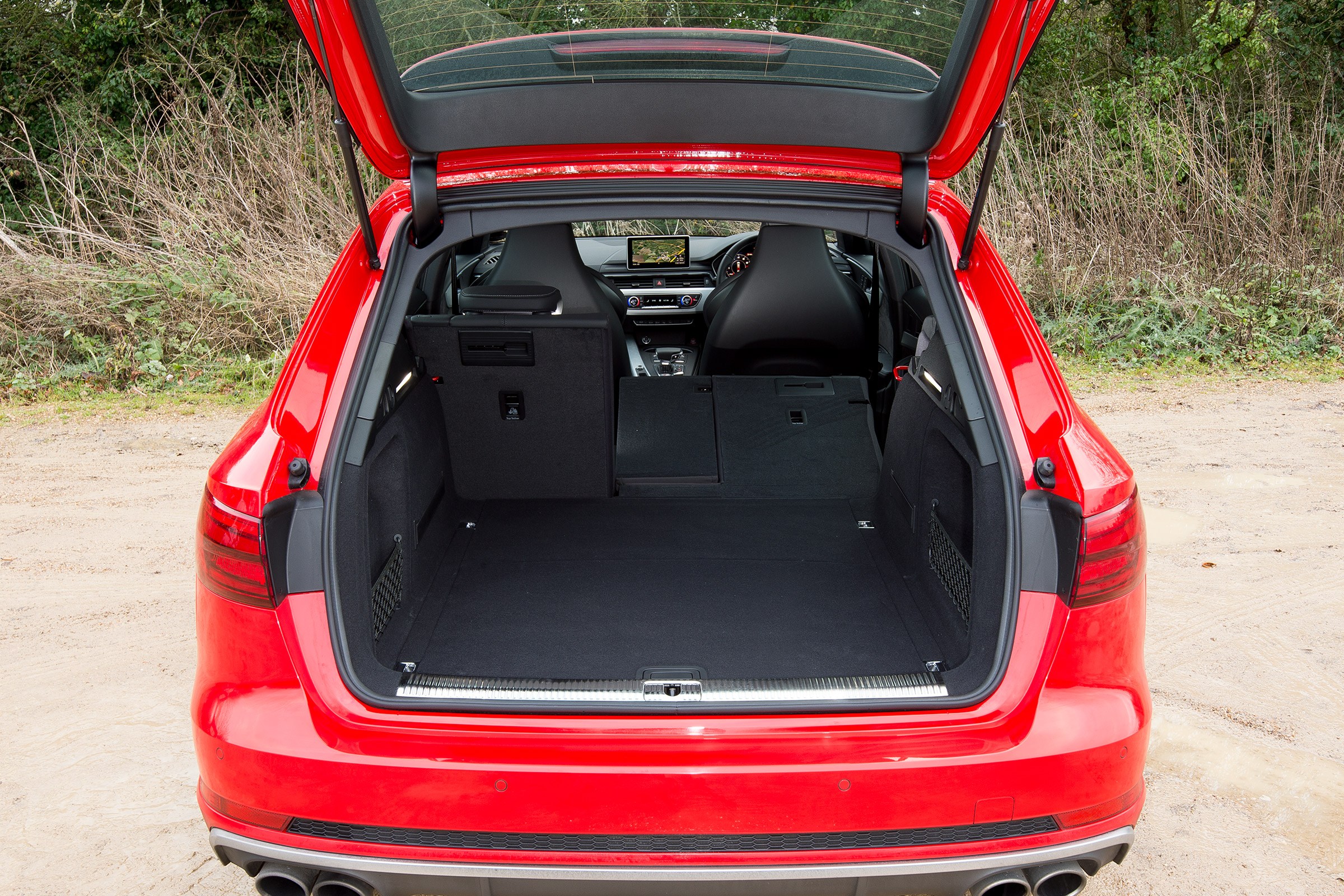 2017 Audi S4 Avant Interior View Rear Cargo (Photo 11 of 17)