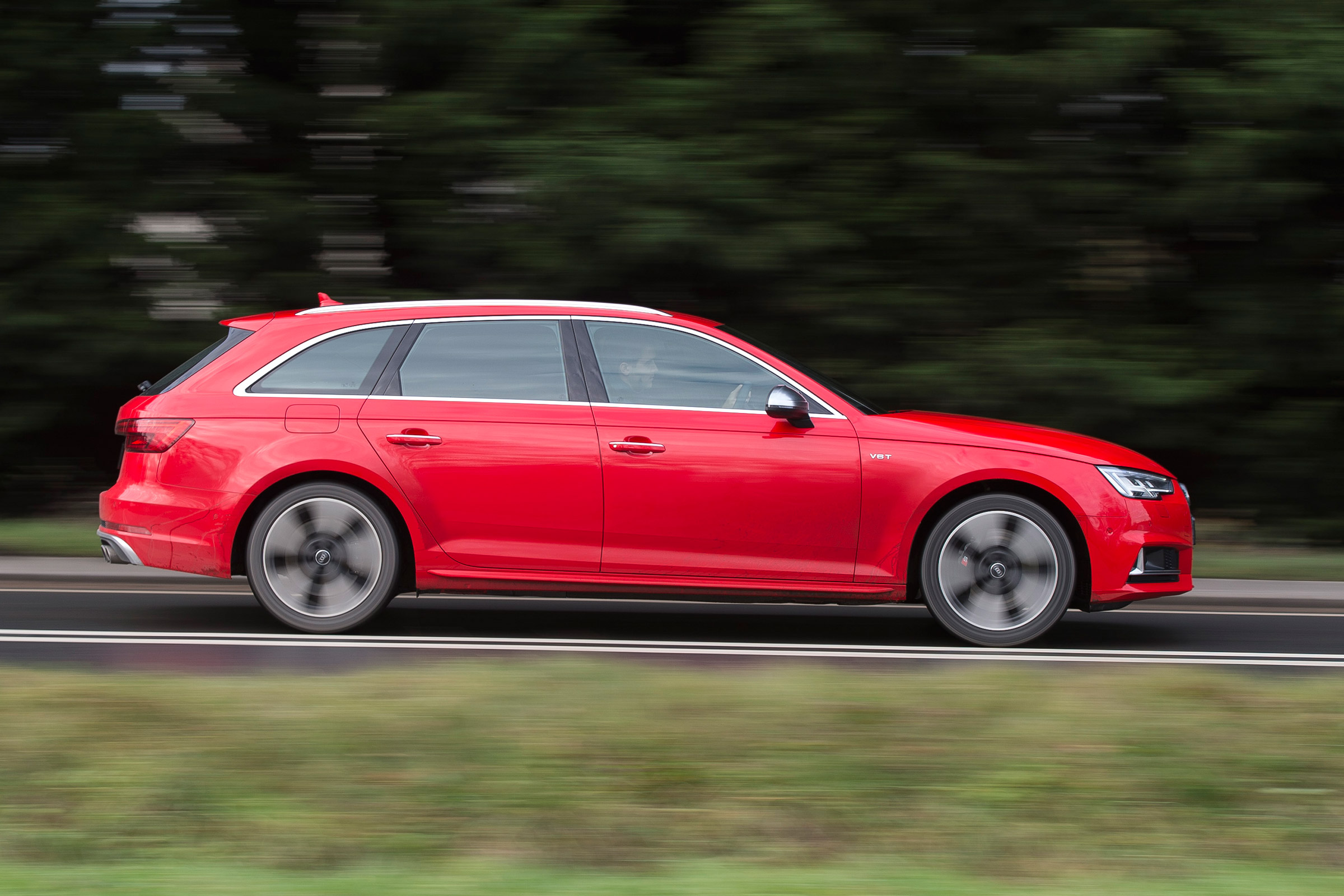 2017 Audi S4 Avant Test Drive Side View (View 4 of 17)