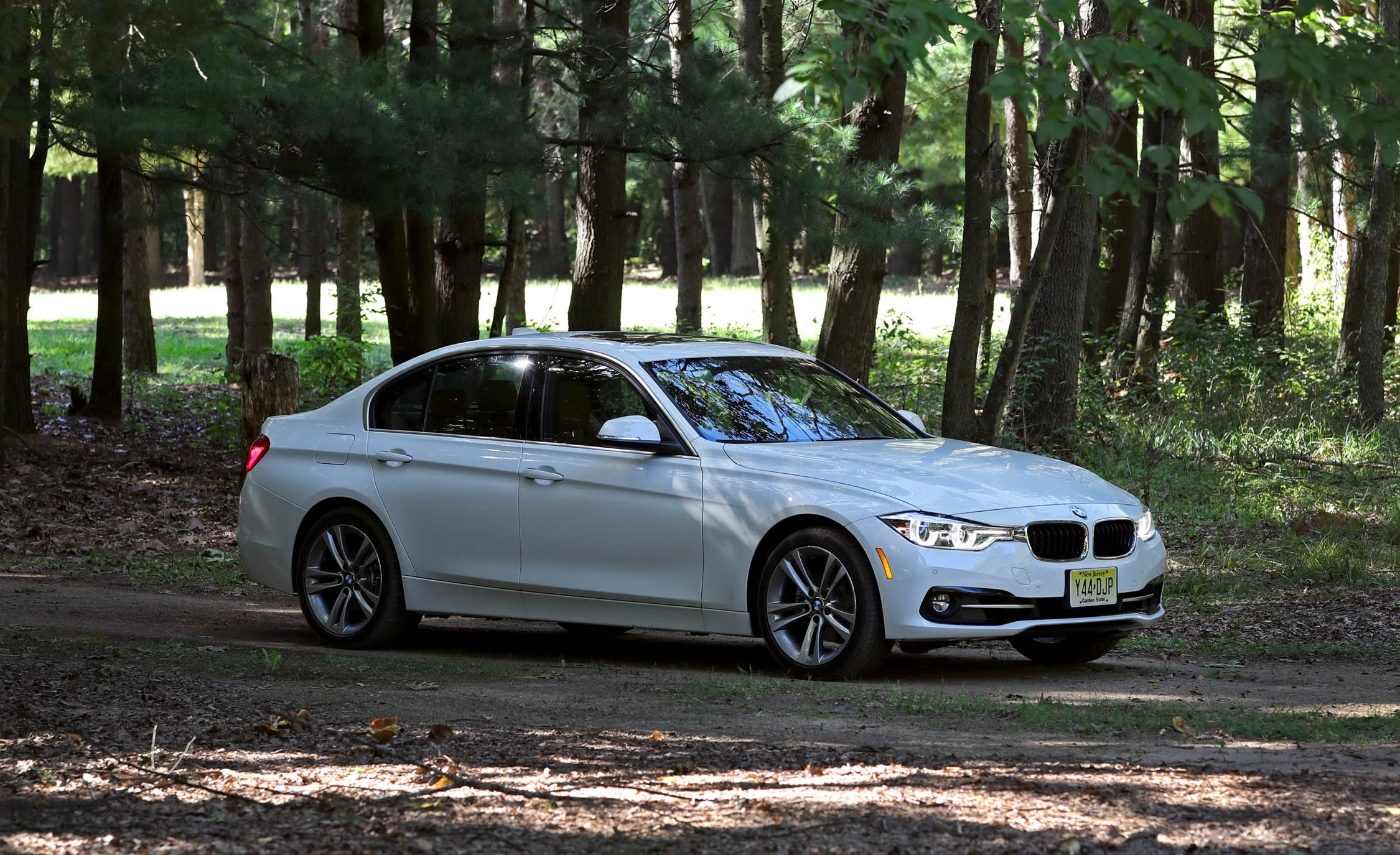 2017 BMW 330i Exterior White Metallic (View 8 of 59)