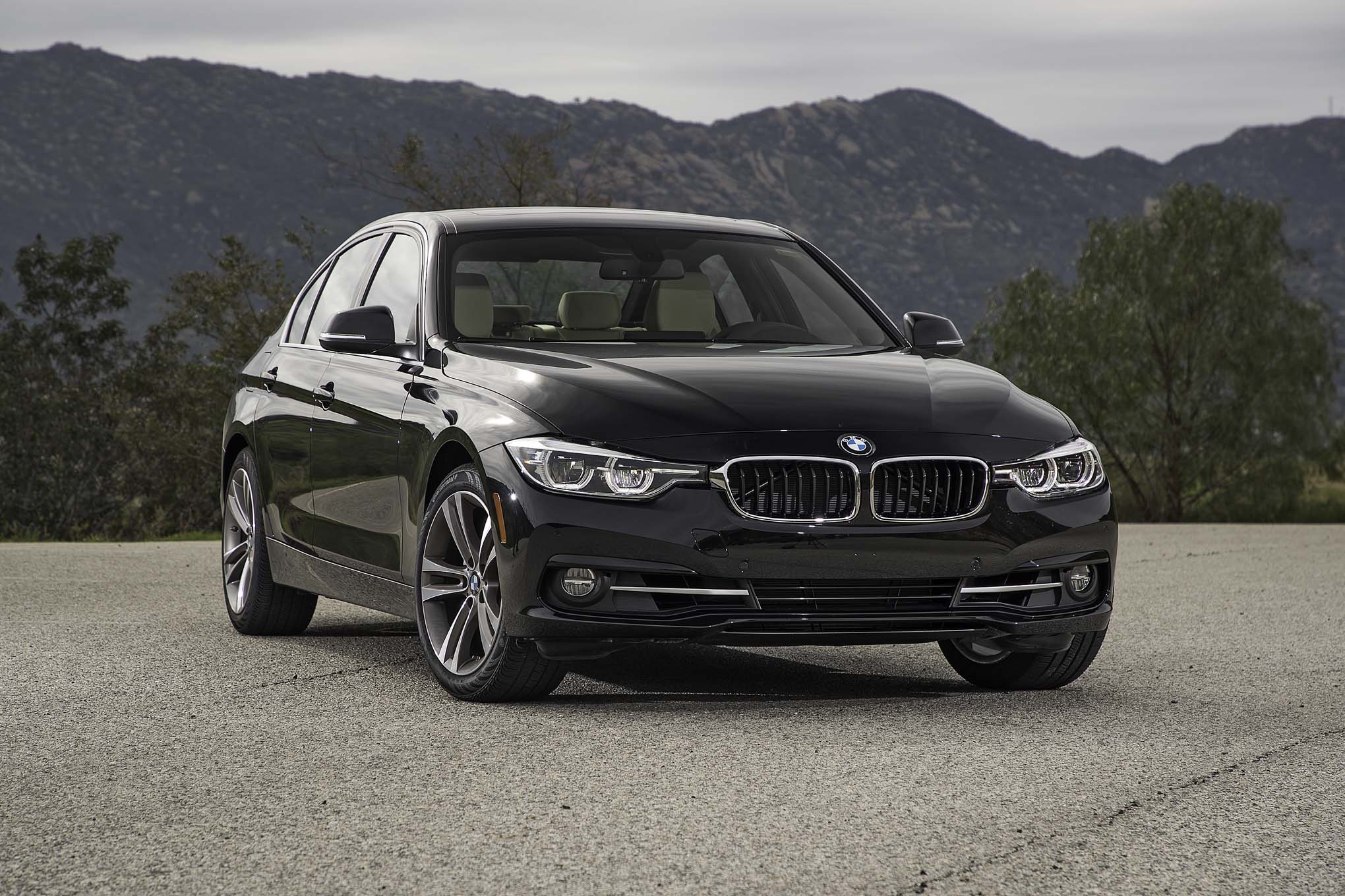 2017 BMW 330i Sedan Exterior Front Black Metallic (View 37 of 59)