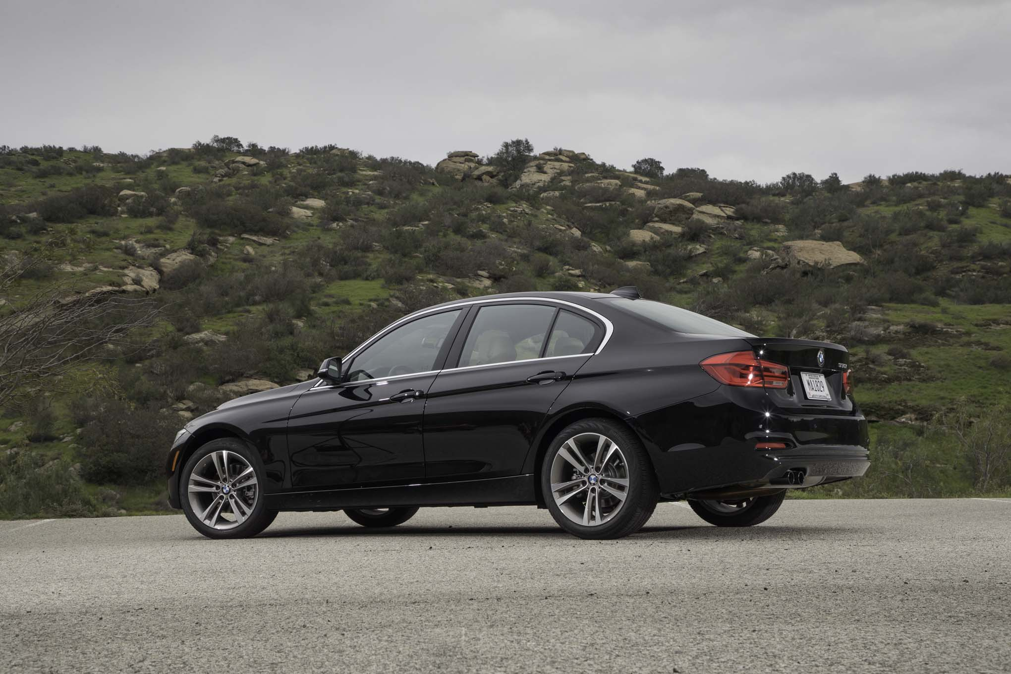 2017 BMW 330i Sedan Exterior Side And Rear (View 40 of 59)