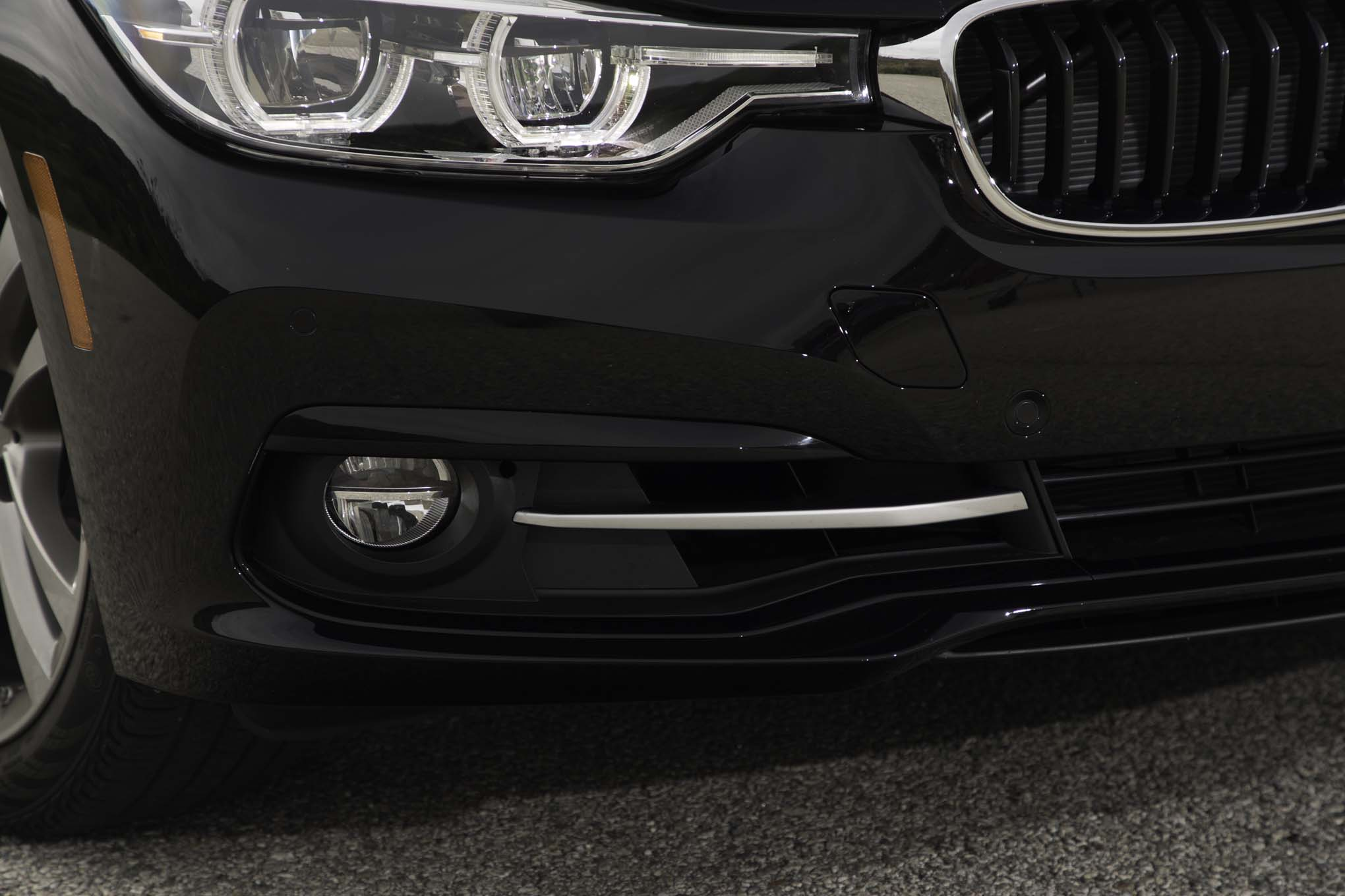 2017 BMW 330i Sedan Exterior View Front Bumper (View 44 of 59)
