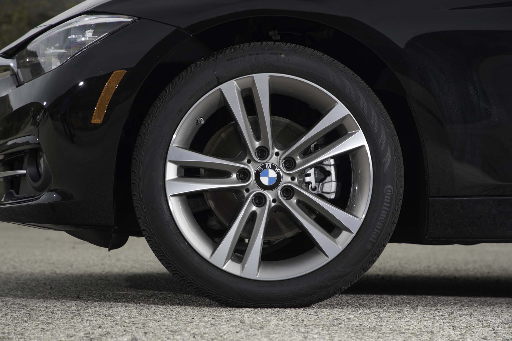 2017 BMW 330i Sedan Exterior View Wheel Profile (View 47 of 59)
