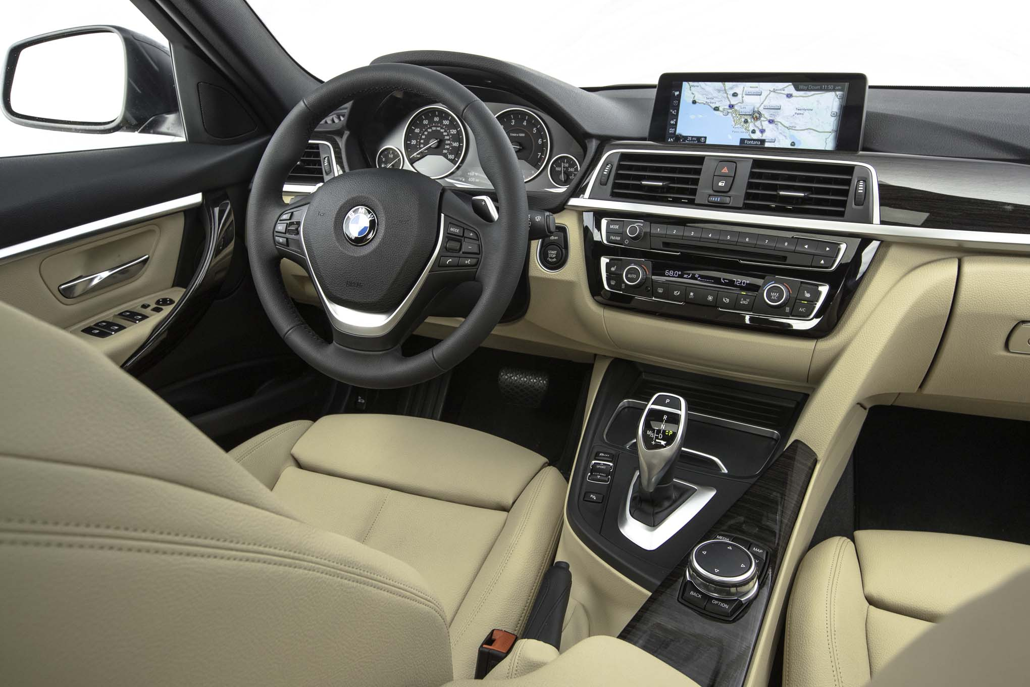 2017 BMW 330i Sedan Interior Dashboard (View 50 of 59)