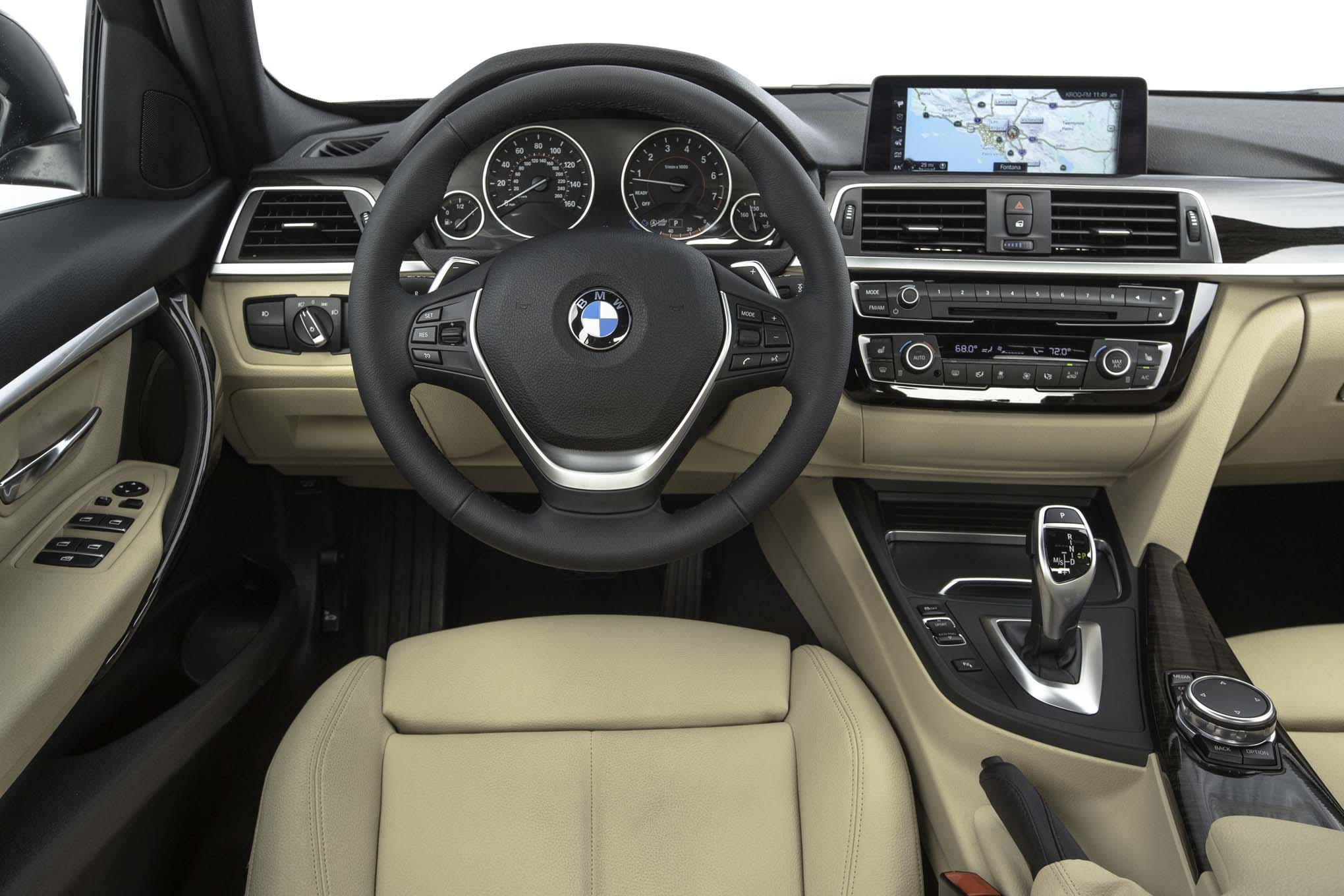 2017 BMW 330i Sedan Interior Driver Cockpit Steering And Dash (View 51 of 59)