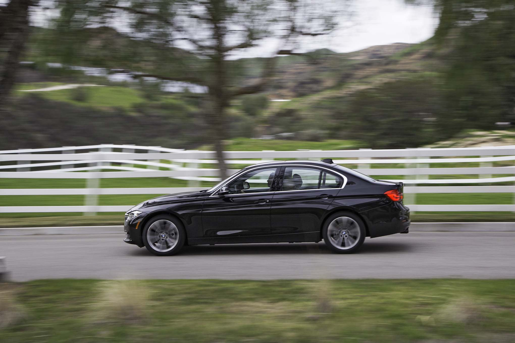 2017 BMW 330i Sedan Test Drive Side View (View 43 of 59)