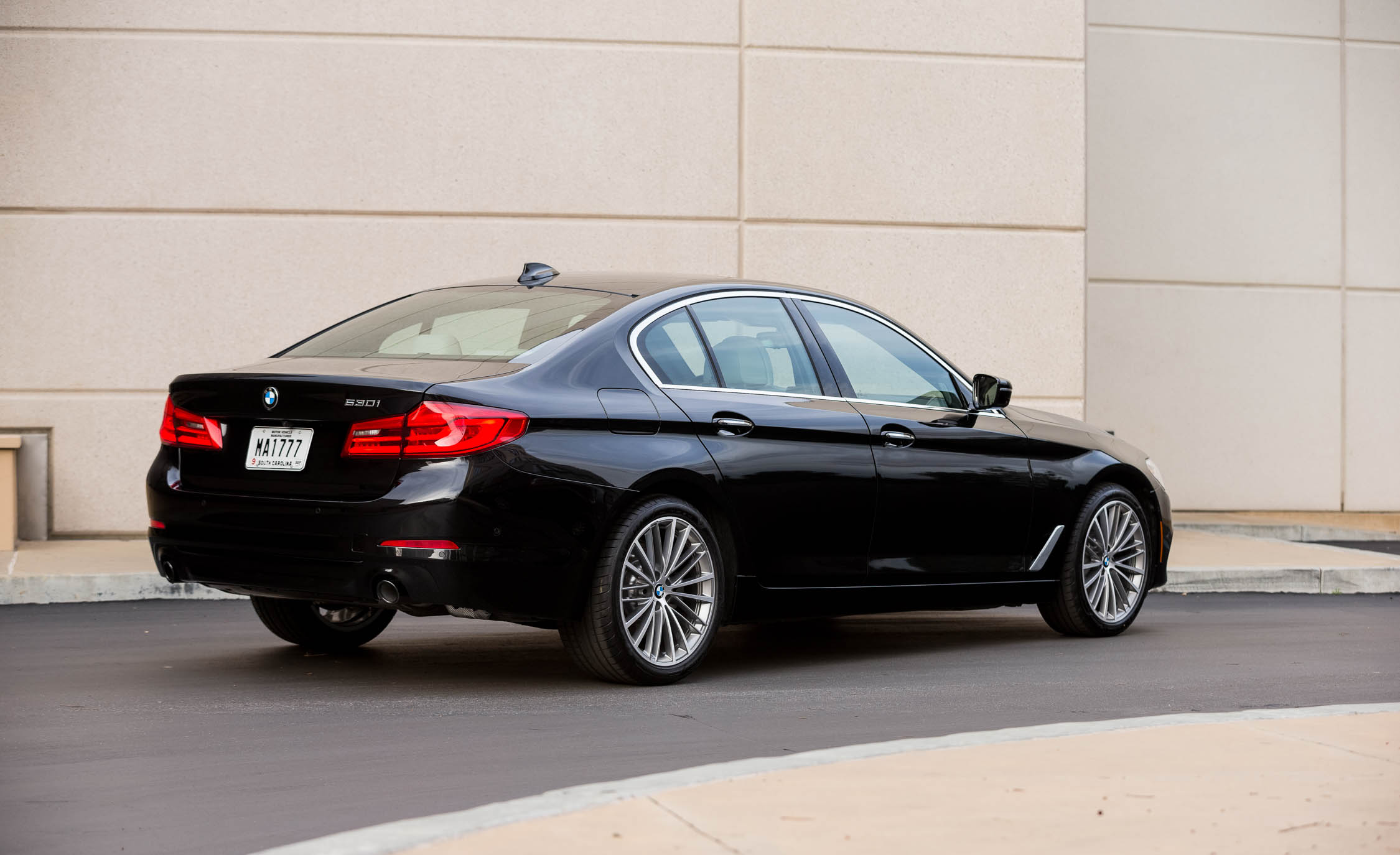 2017 BMW 530i (View 3 of 46)