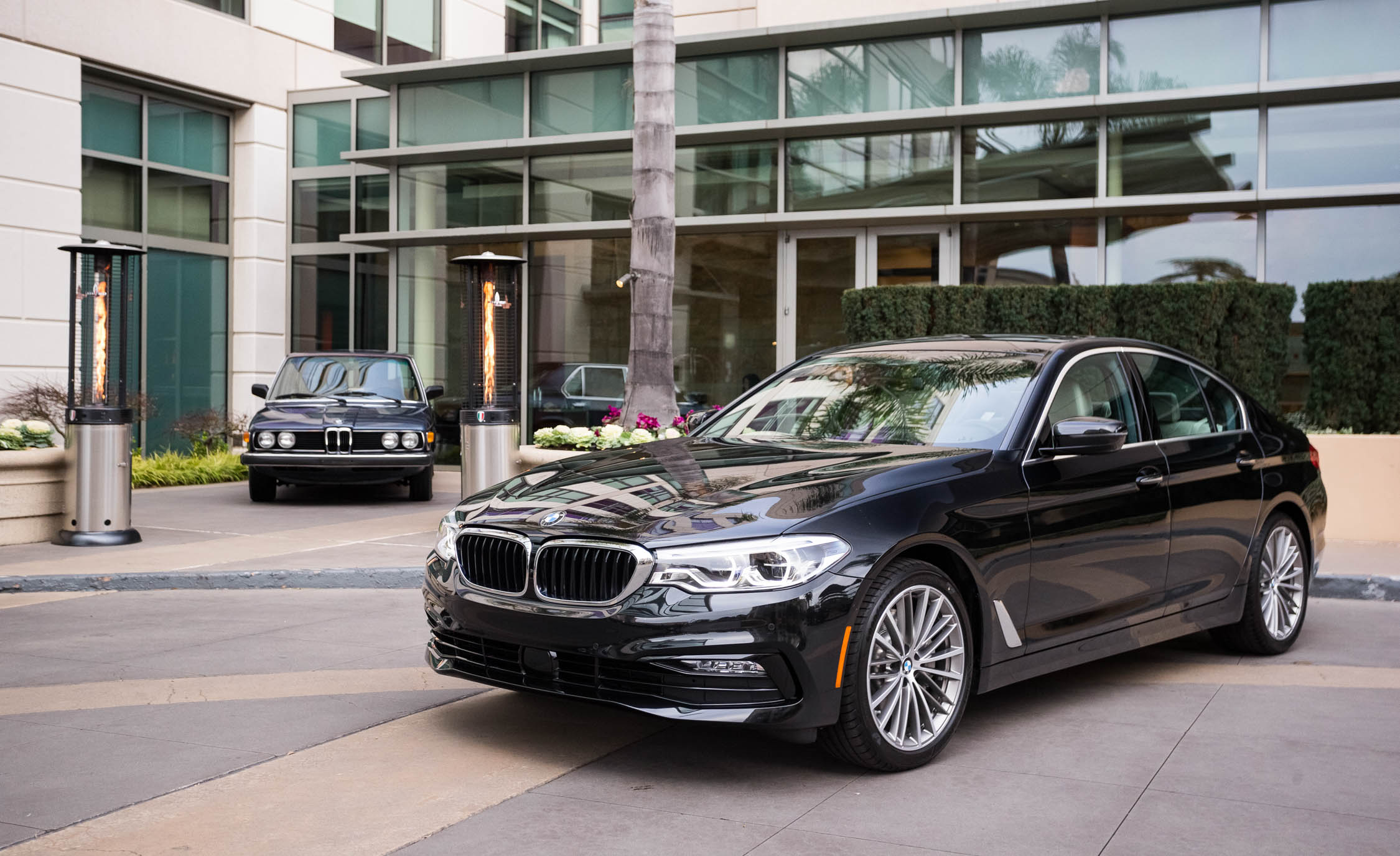 2017 BMW 530i (View 11 of 46)