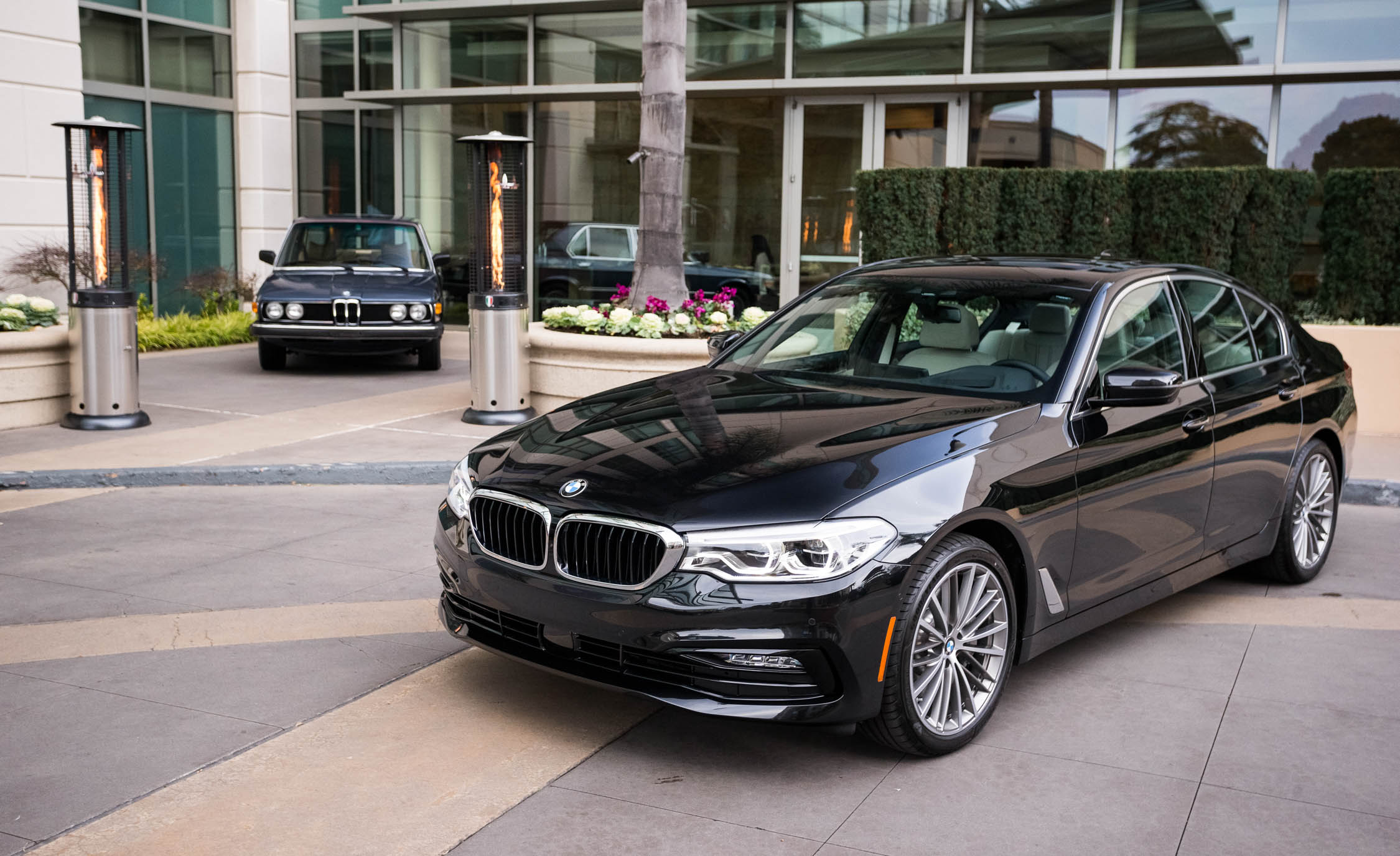 2017 BMW 530i (View 13 of 46)