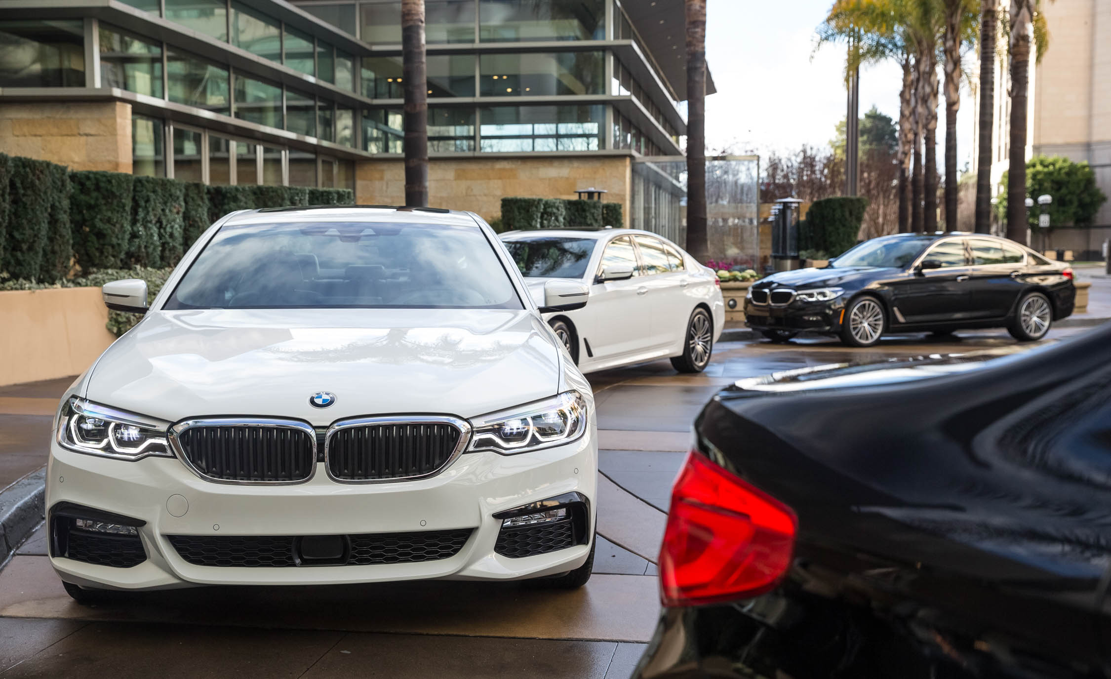 2017 BMW 530i (View 14 of 46)