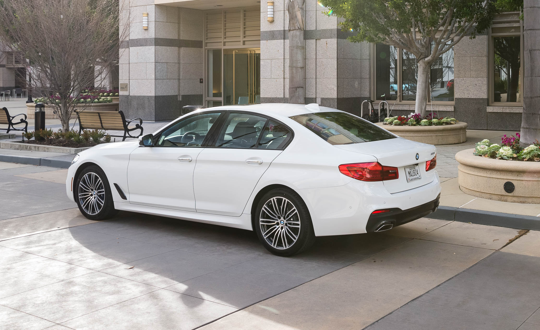 2017 BMW 530i (View 32 of 46)