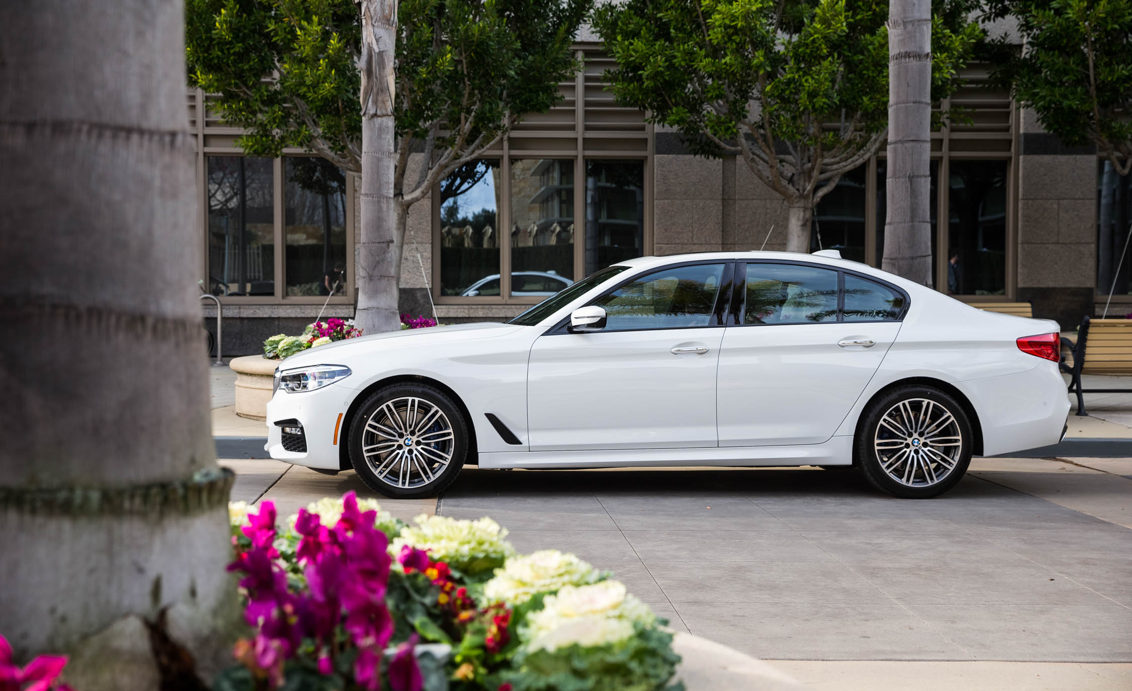 2017 BMW 530i (View 33 of 46)