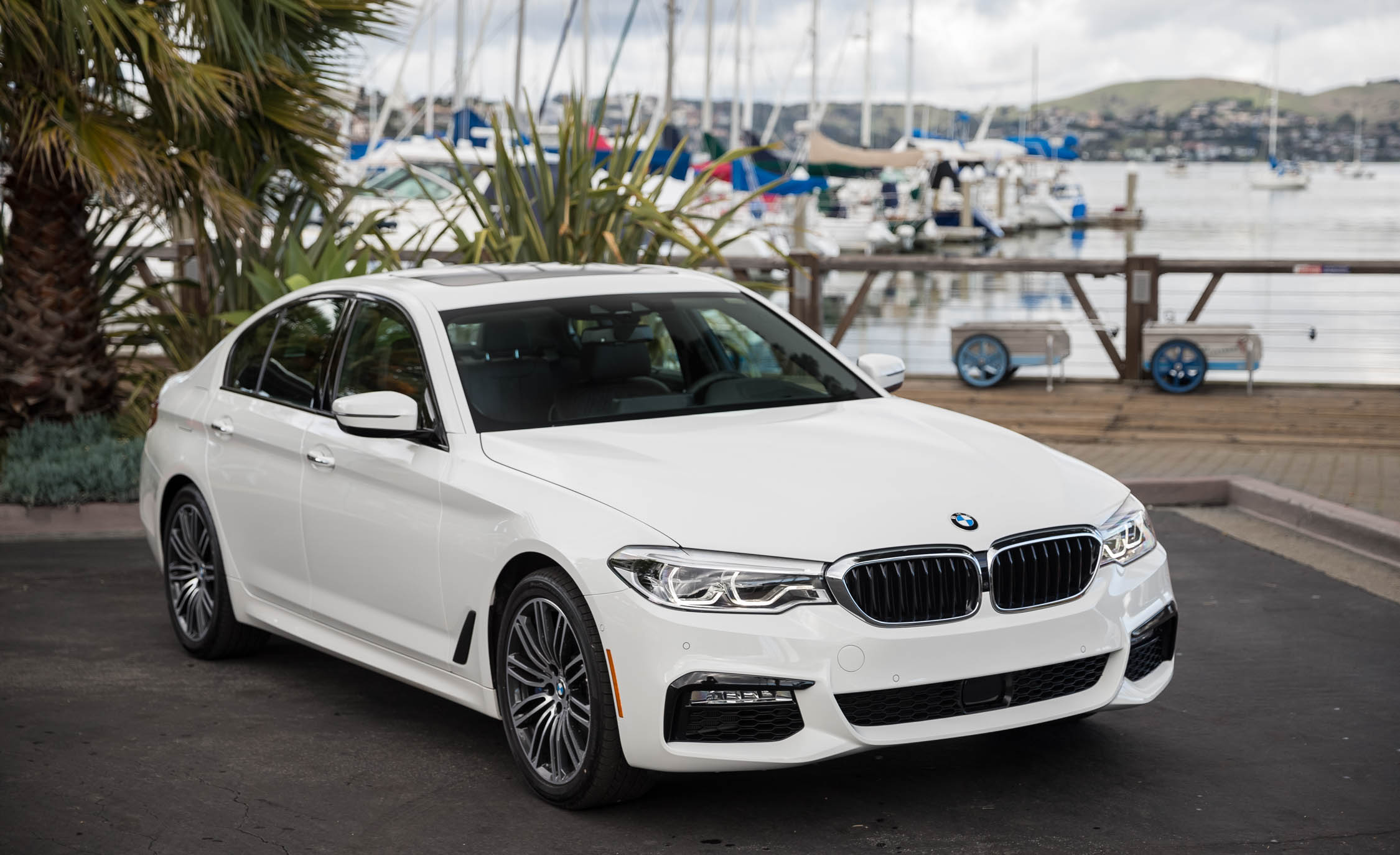 2017 BMW 530i (View 42 of 46)