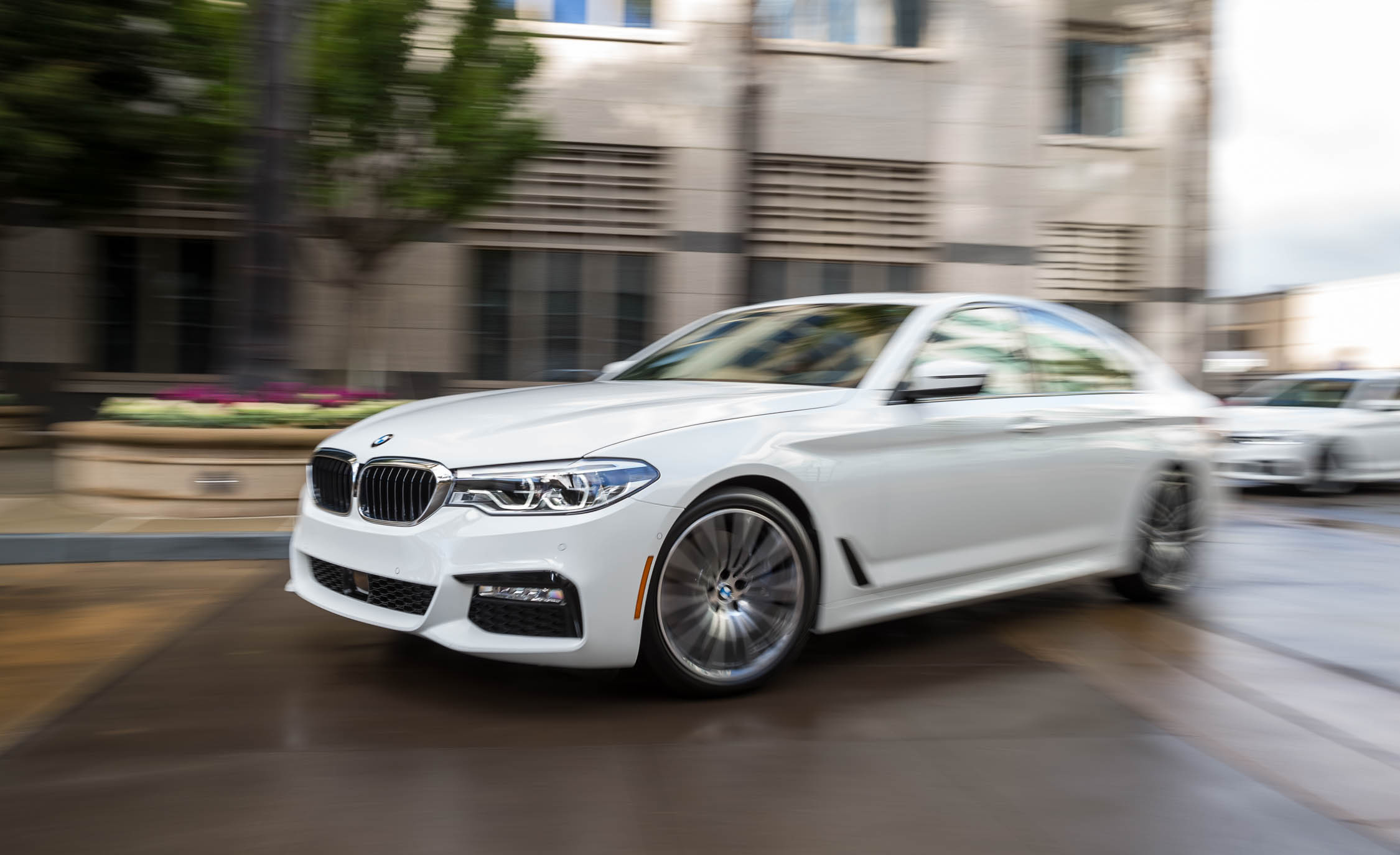 2017 BMW 530i (View 43 of 46)
