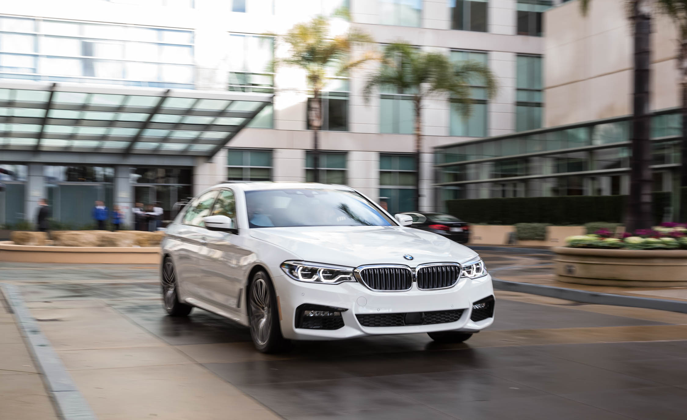 2017 BMW 530i (View 44 of 46)