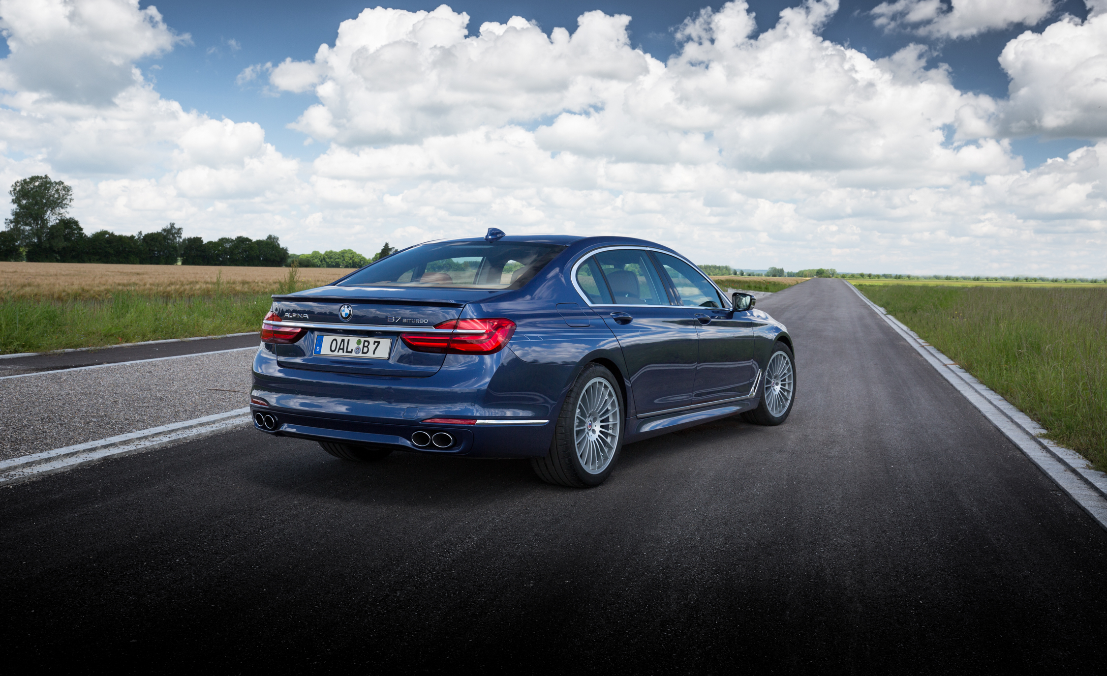 2017 BMW Alpina B7 Exterior Side And Rear (Photo 10 of 45)