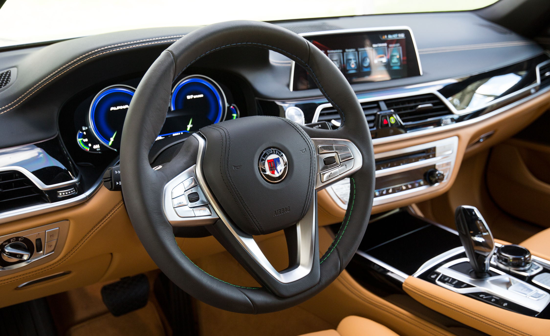 2017 BMW Alpina B7 Interior View Steering Wheel (Photo 21 of 45)