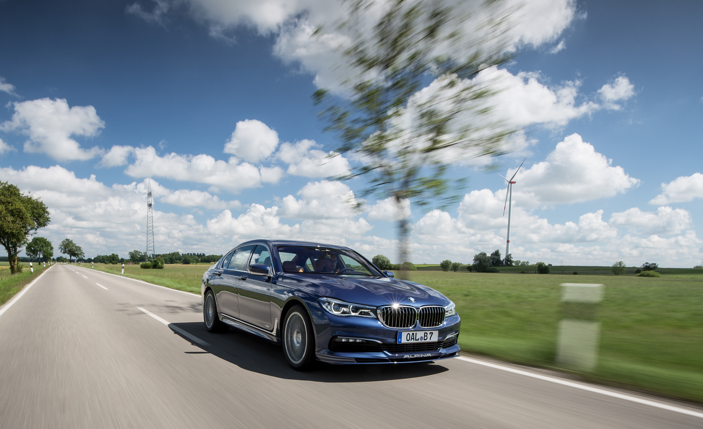 2017 BMW Alpina B7 Test Drive (Photo 22 of 45)