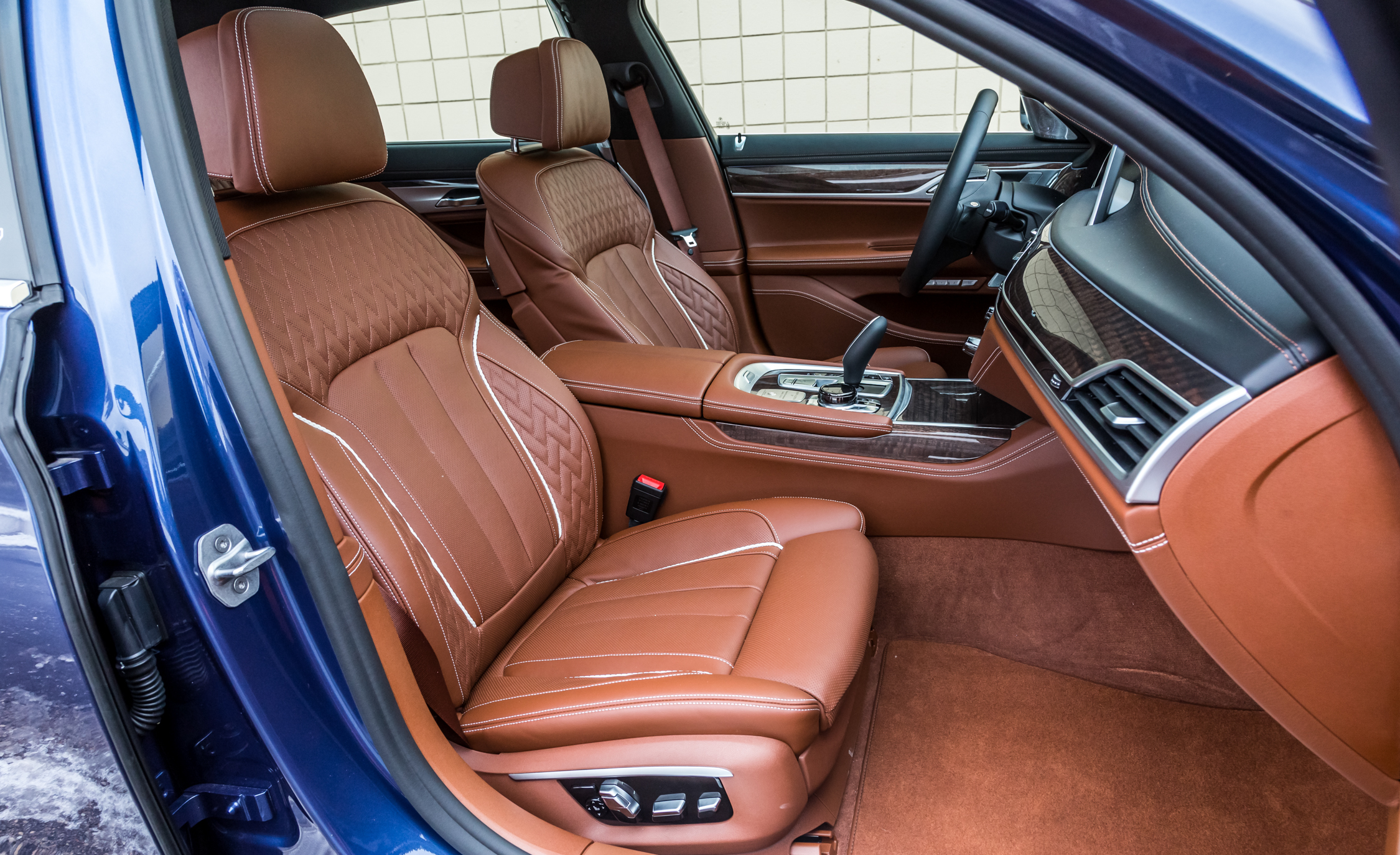 2017 BMW Alpina B7 XDrive Interior Seats Front (View 8 of 45)