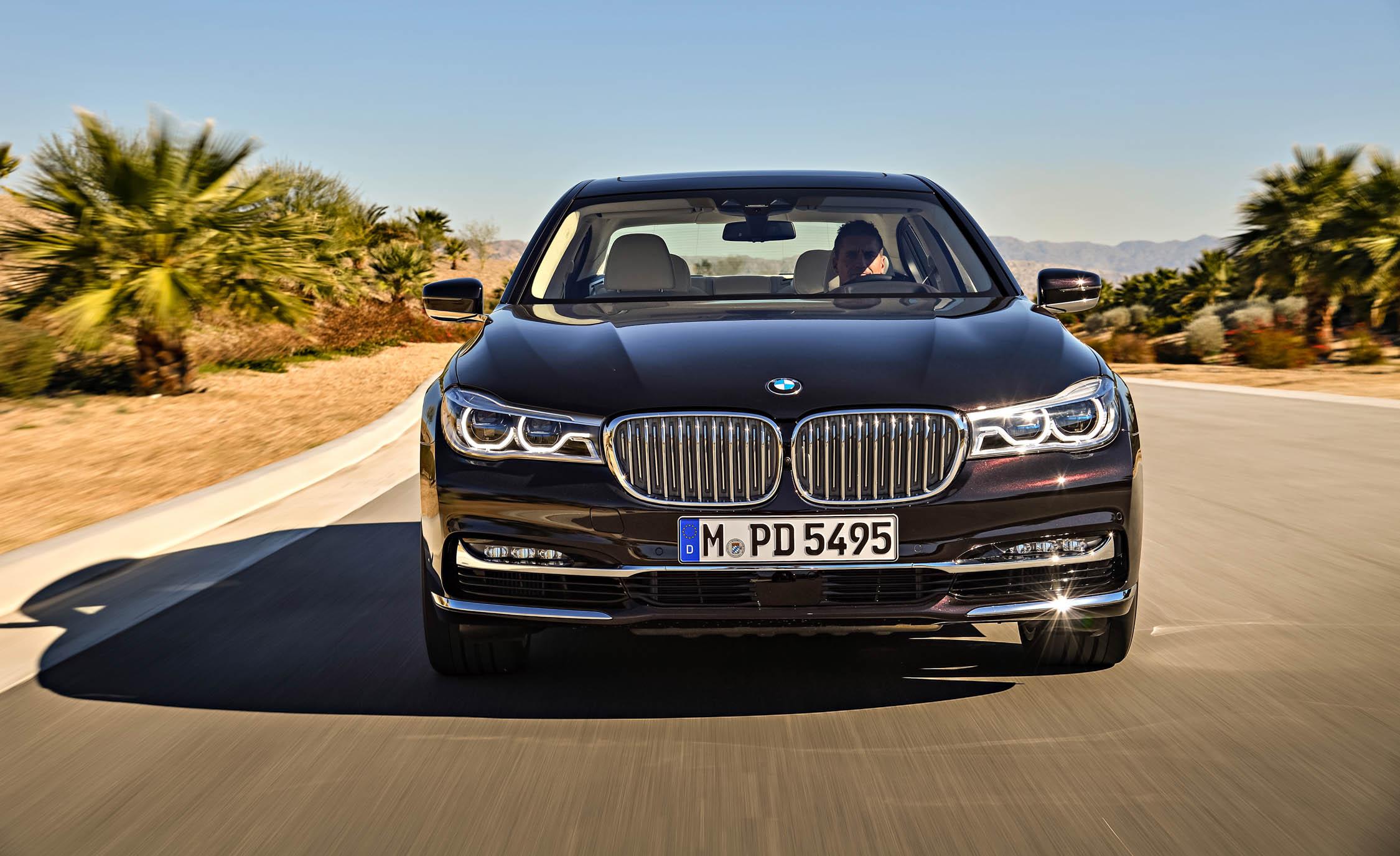 2017 BMW M760Li XDrive Test Drive Front View (Photo 71 of 76)