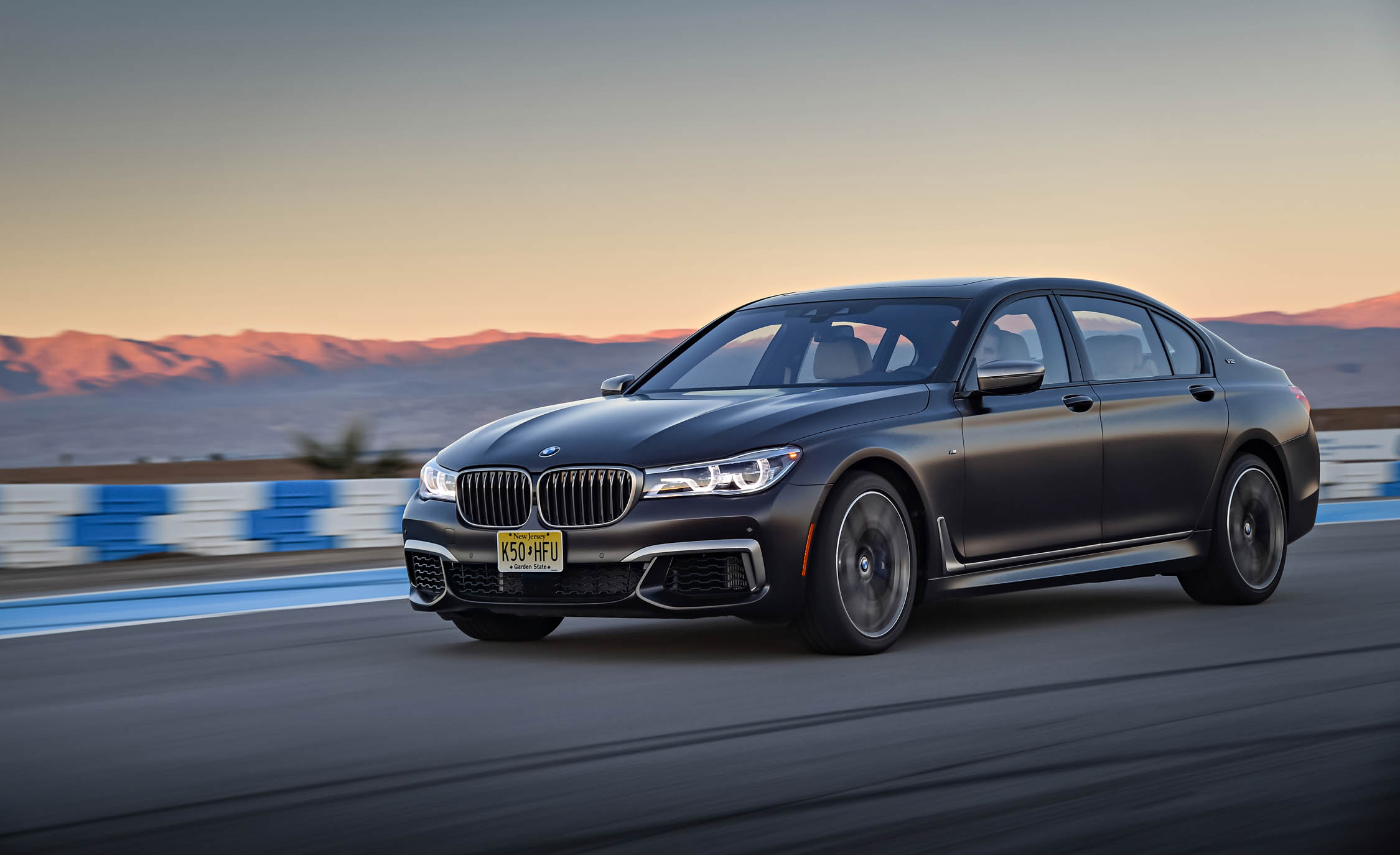 2017 BMW M760i XDrive Circuit Test Performance (Photo 7 of 76)
