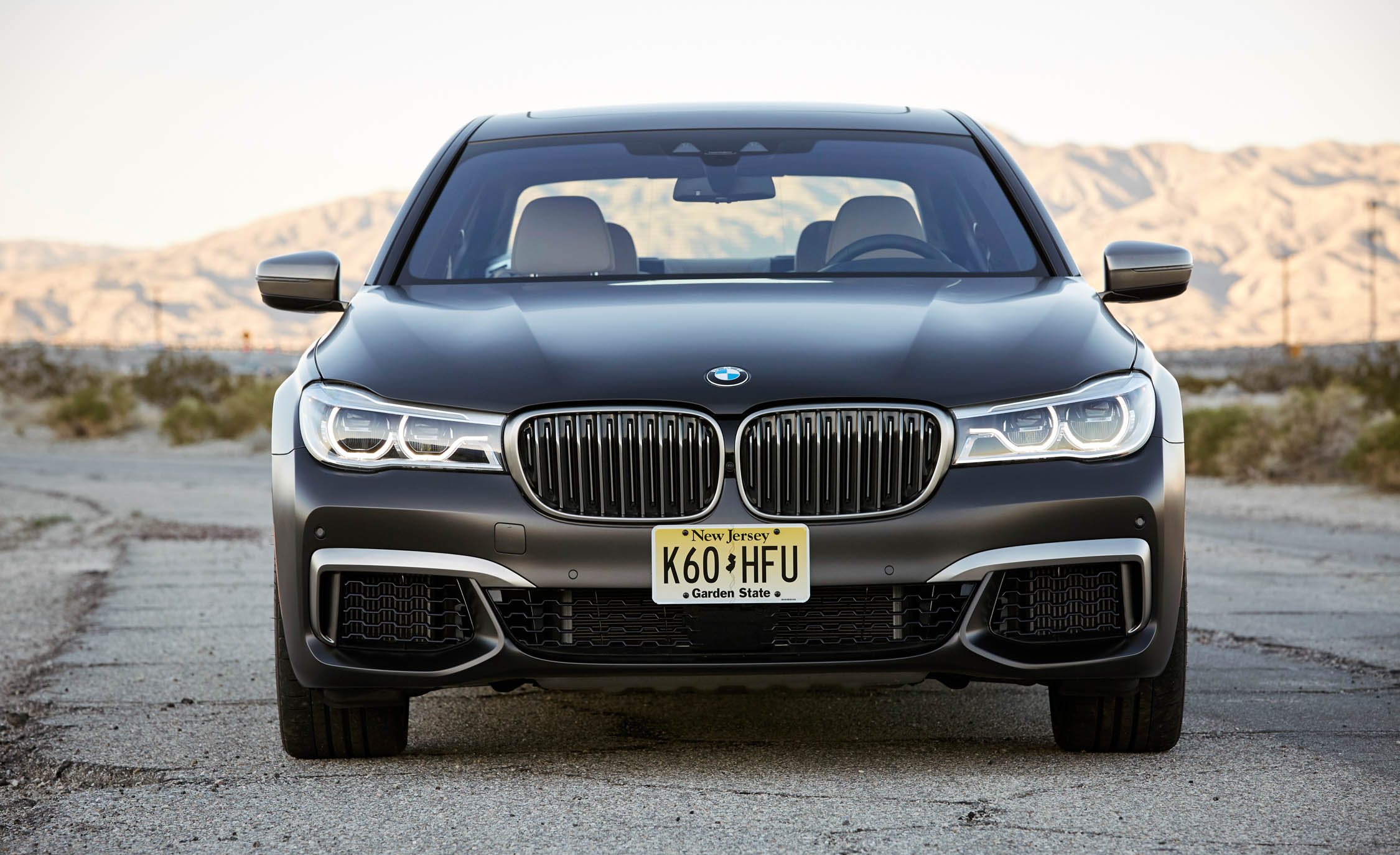 2017 BMW M760i XDrive Exterior Front (Photo 10 of 76)