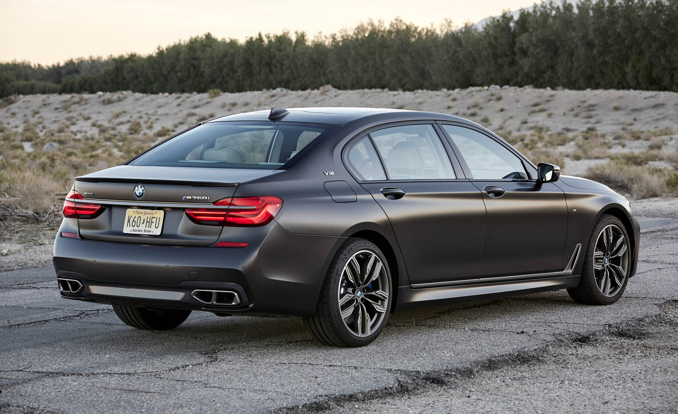 2017 BMW M760i XDrive Exterior Rear And Side (Photo 14 of 76)