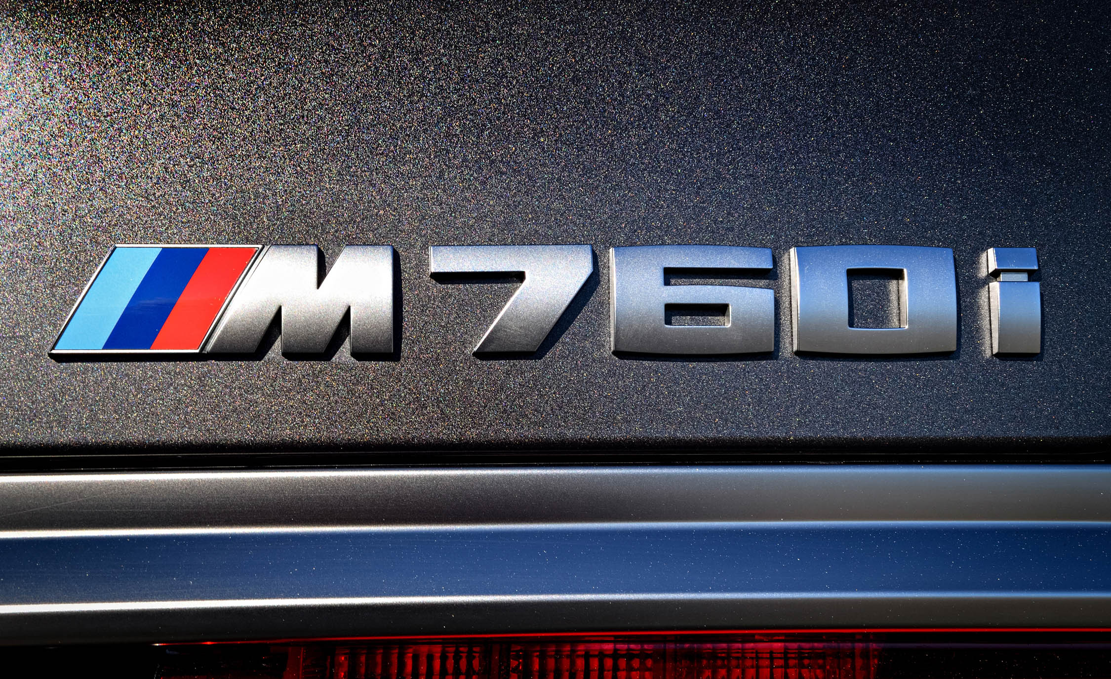 2017 BMW M760i XDrive Exterior View Rear Badge (Photo 19 of 76)