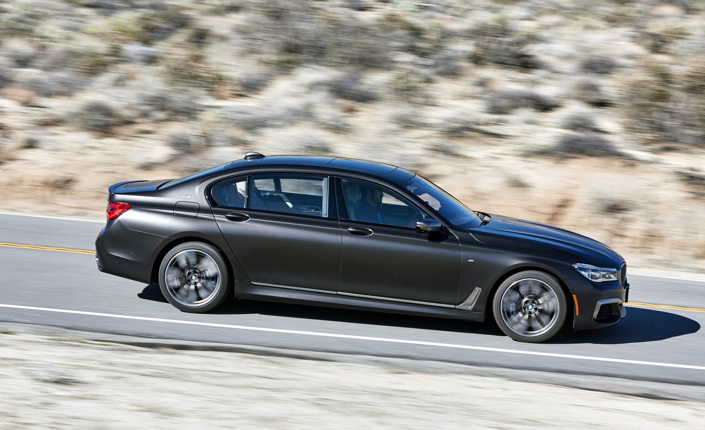 2017 BMW M760i XDrive Test Drive Grey Metallic Side View (View 12 of 76)