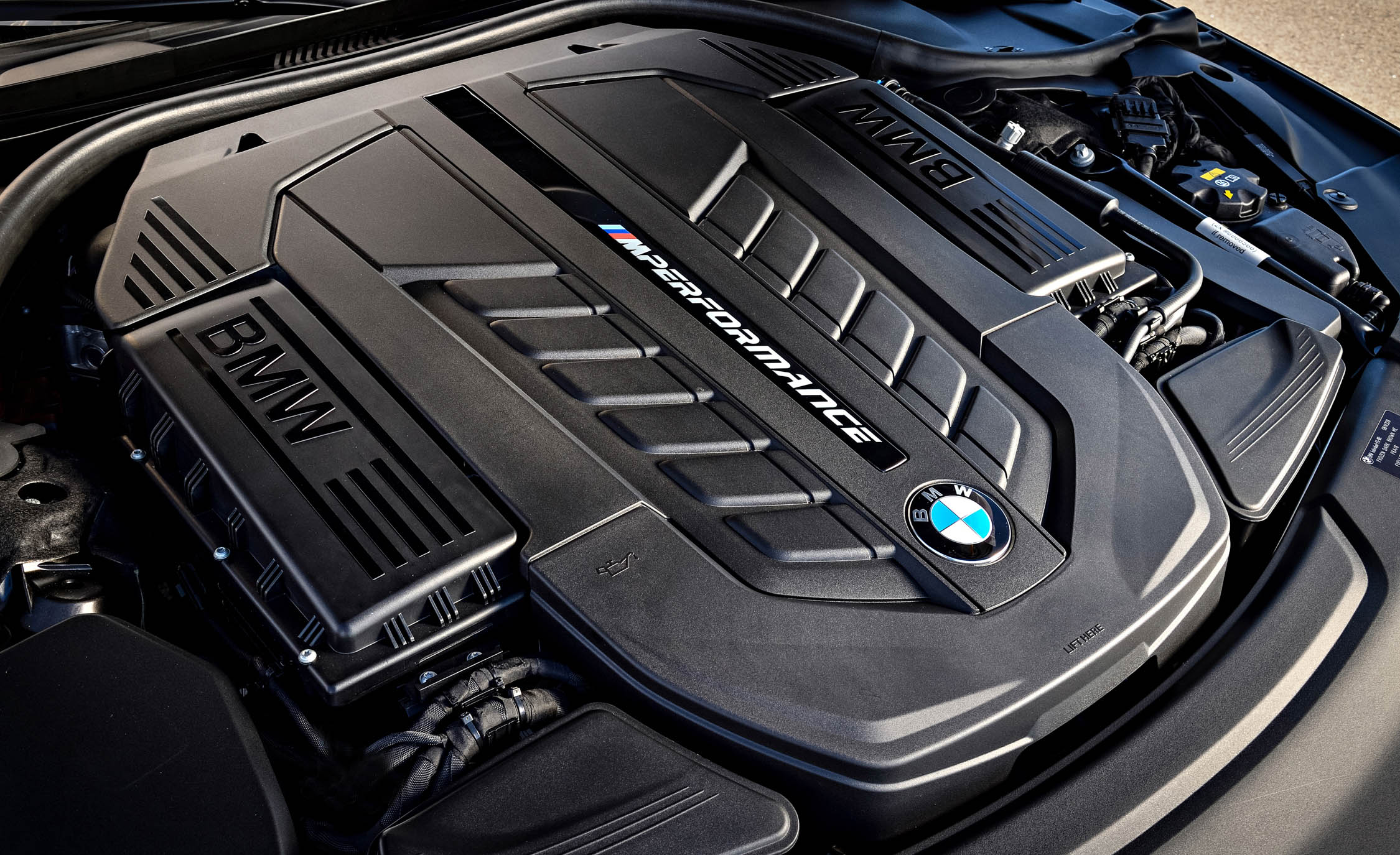 2017 BMW M760i XDrive View Engine (View 60 of 76)