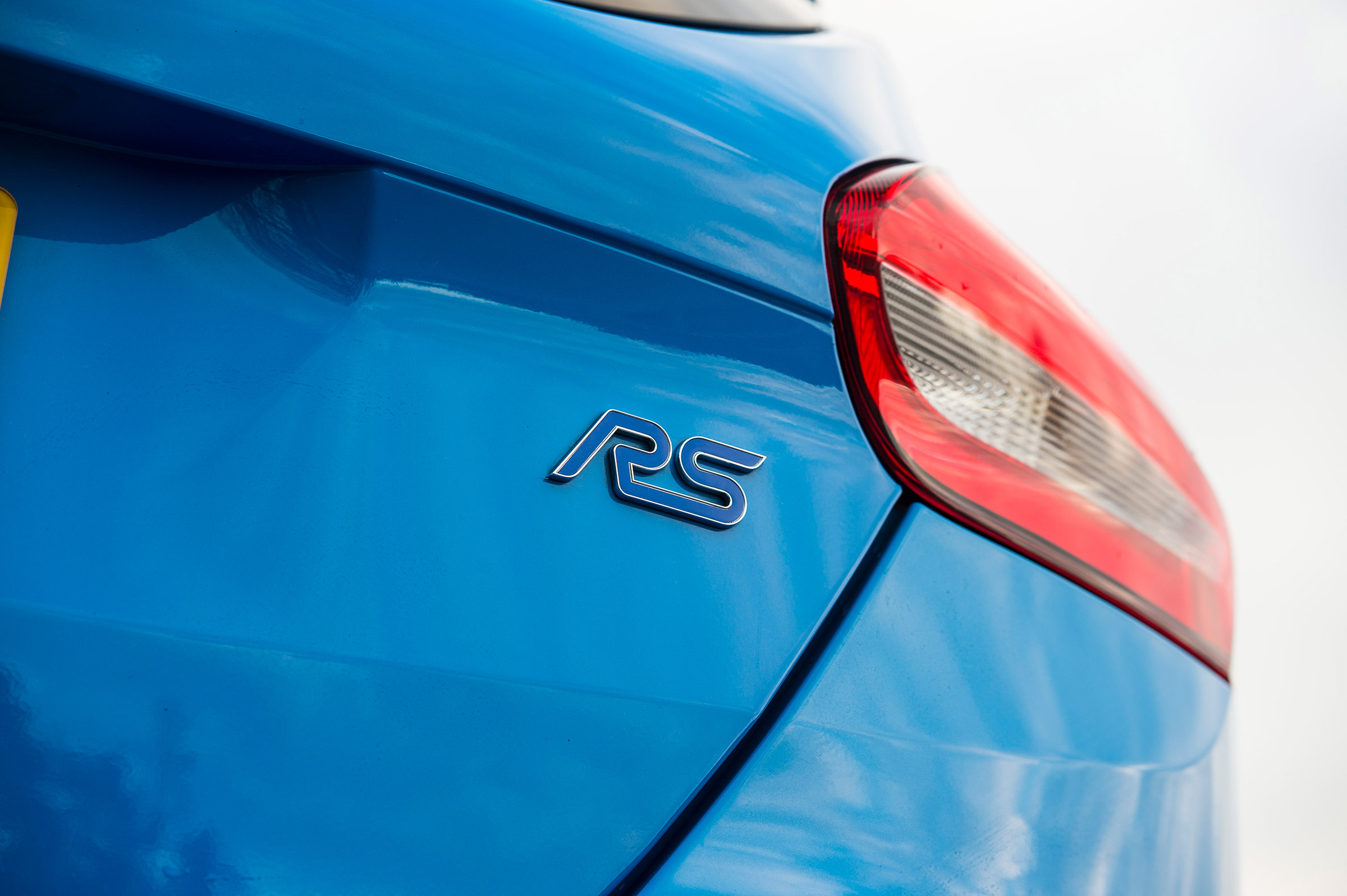 2017 Ford Focus RS Exterior View Rear Emblem (Photo 6 of 23)