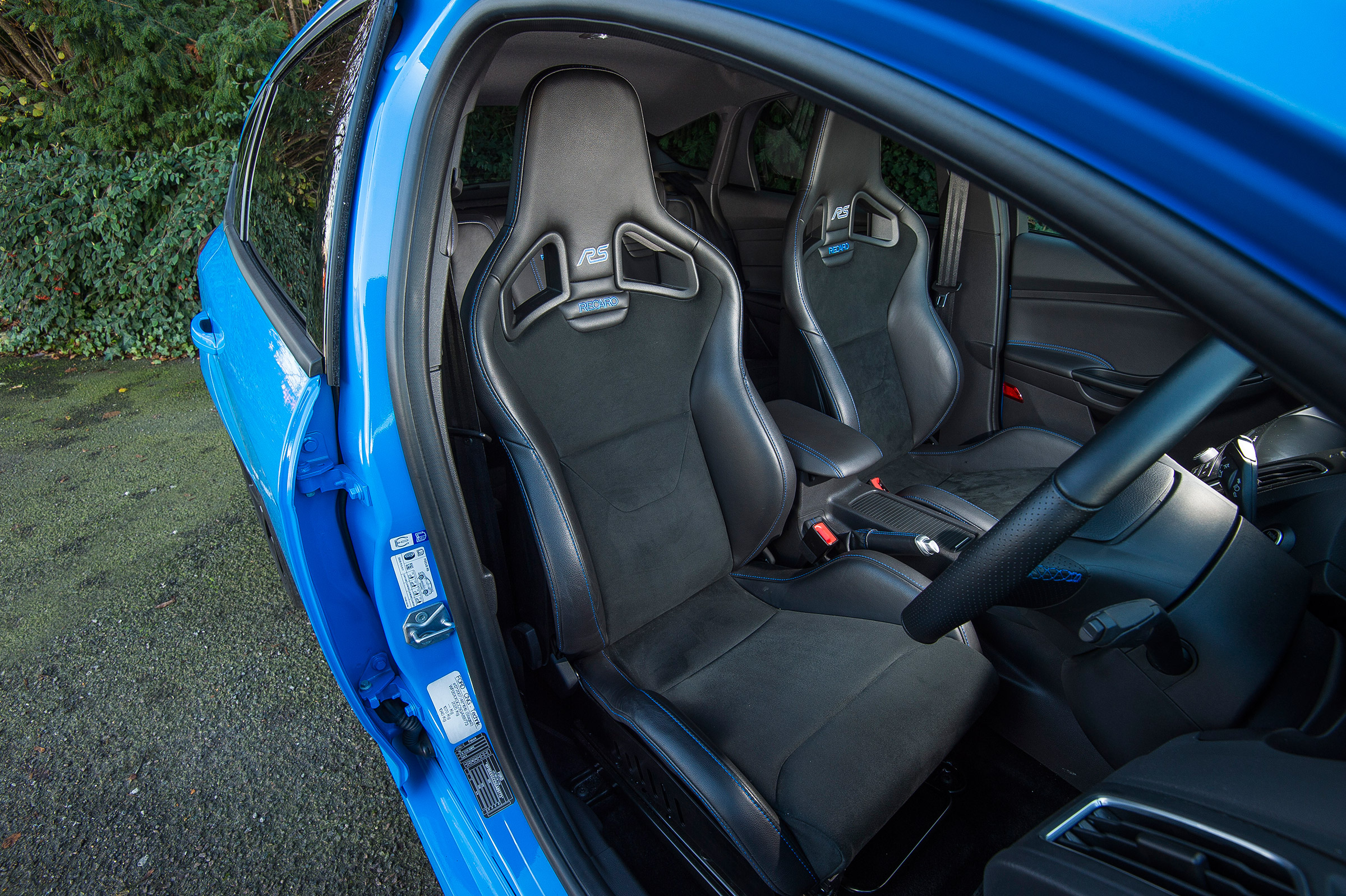 2017 Ford Focus RS Interior Seats Front (Photo 12 of 23)