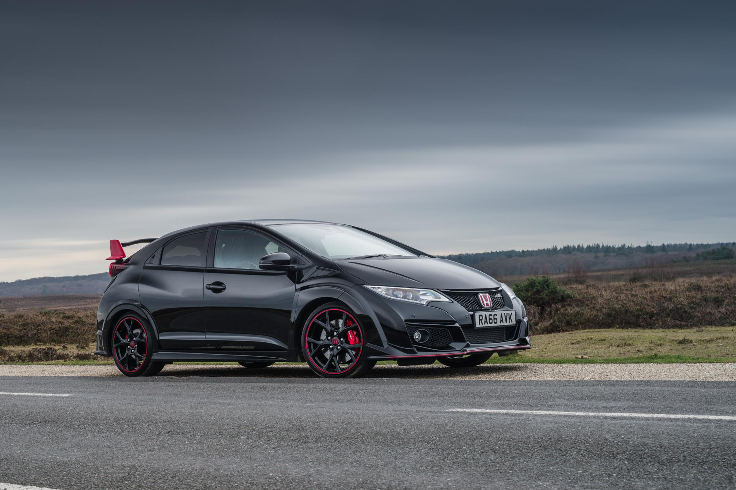 Featured Image of 2017 Honda Civic Type R Black Edition