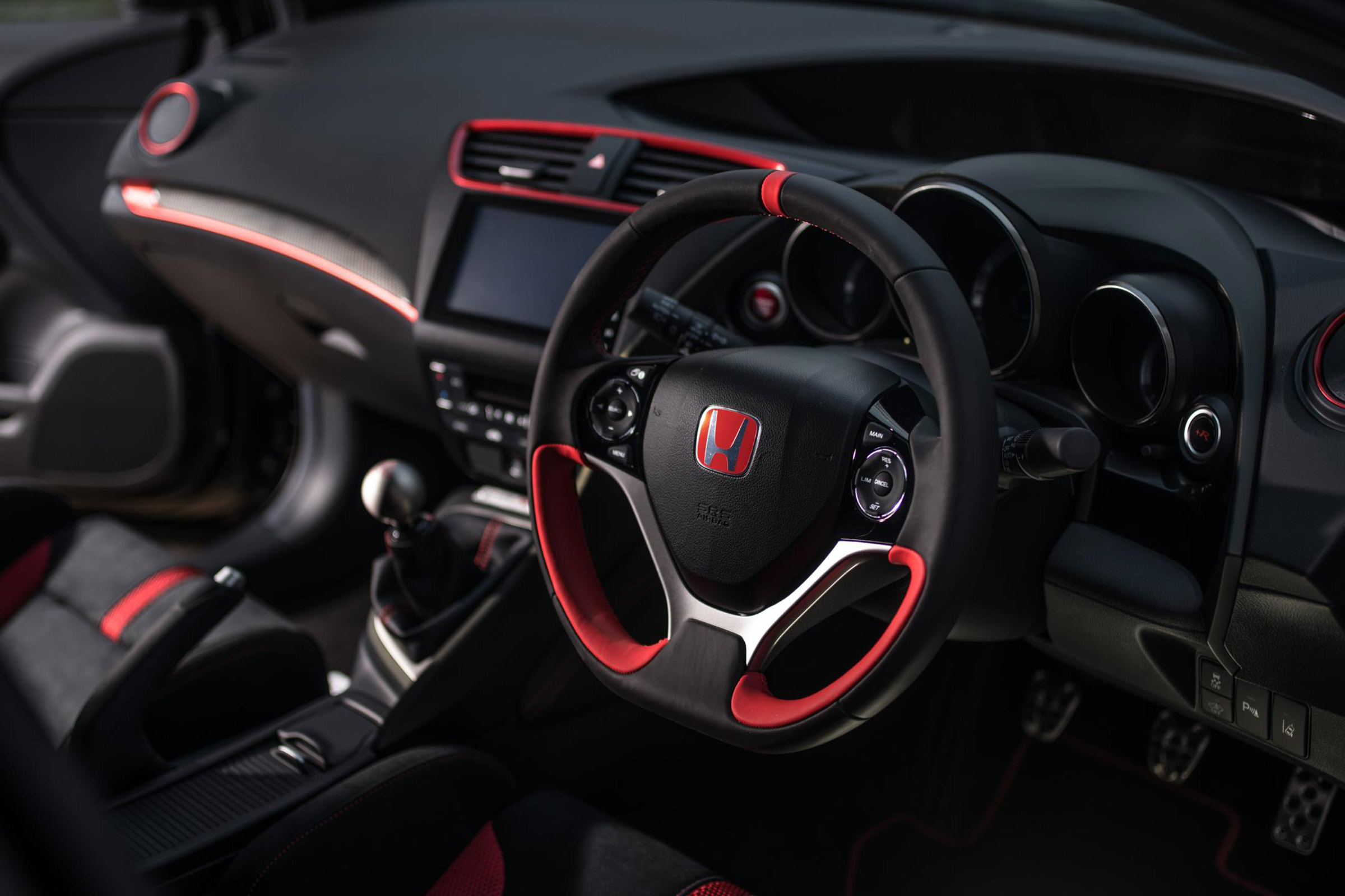 2017 Honda Civic Type R Black Edition Interior Driver Cockpit Steering (Photo 4 of 6)