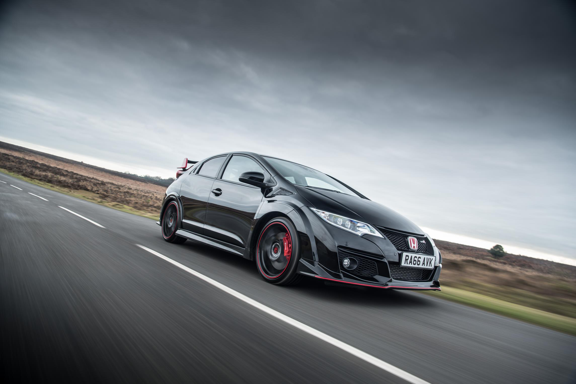 2017 Honda Civic Type R Black Edition (Photo 1 of 6)