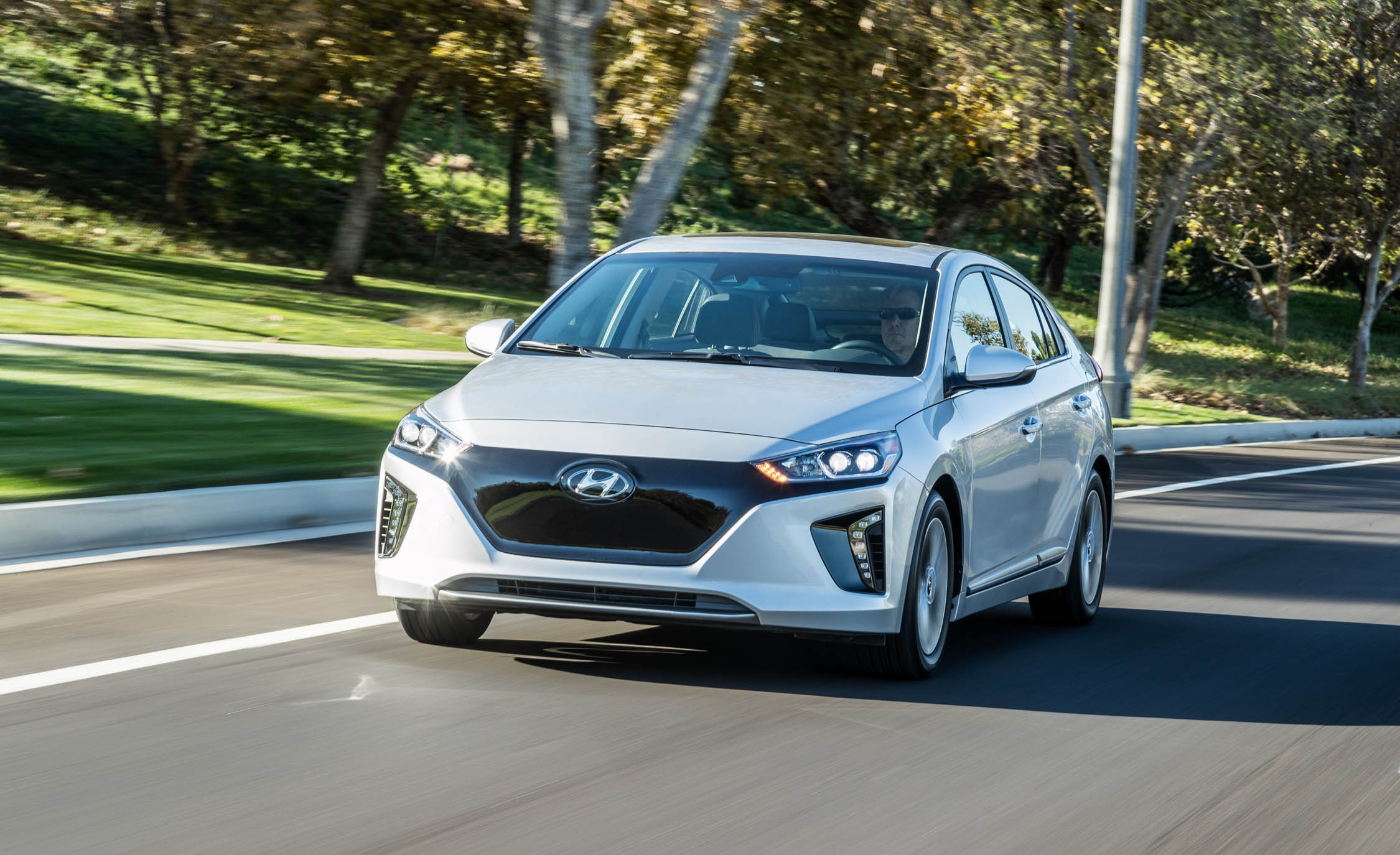 2017 Hyundai Ioniq Electric Test Drive Front Corner (Photo 30 of 67)