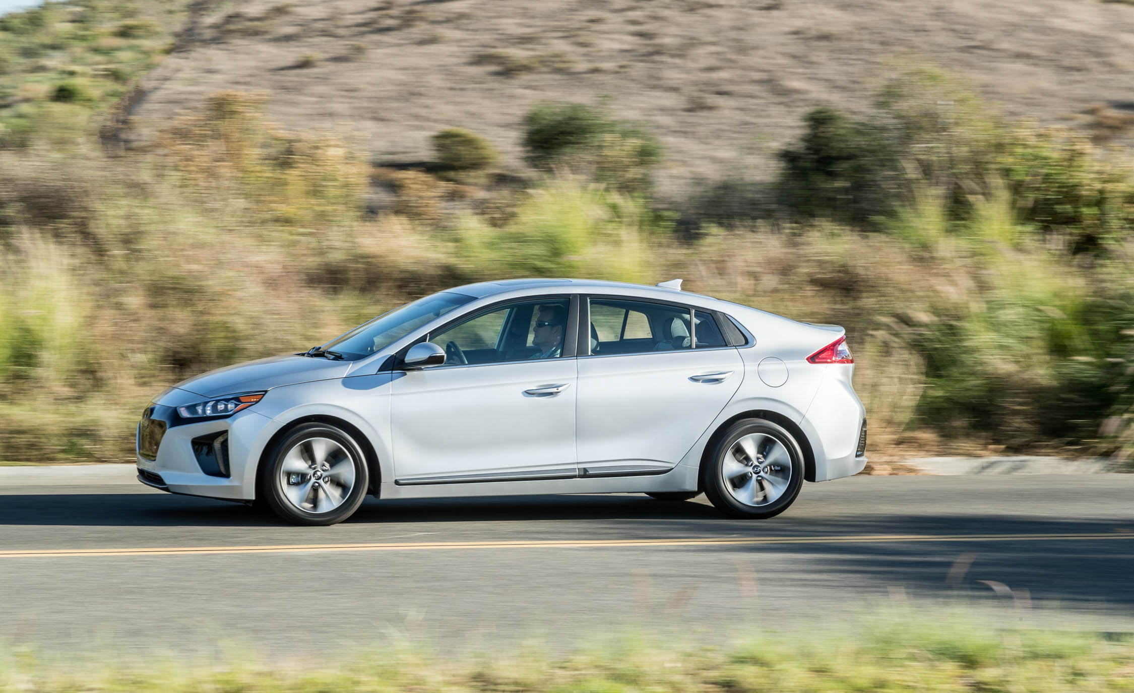 2017 Hyundai Ioniq Electric Test Drive Side View (Photo 34 of 67)