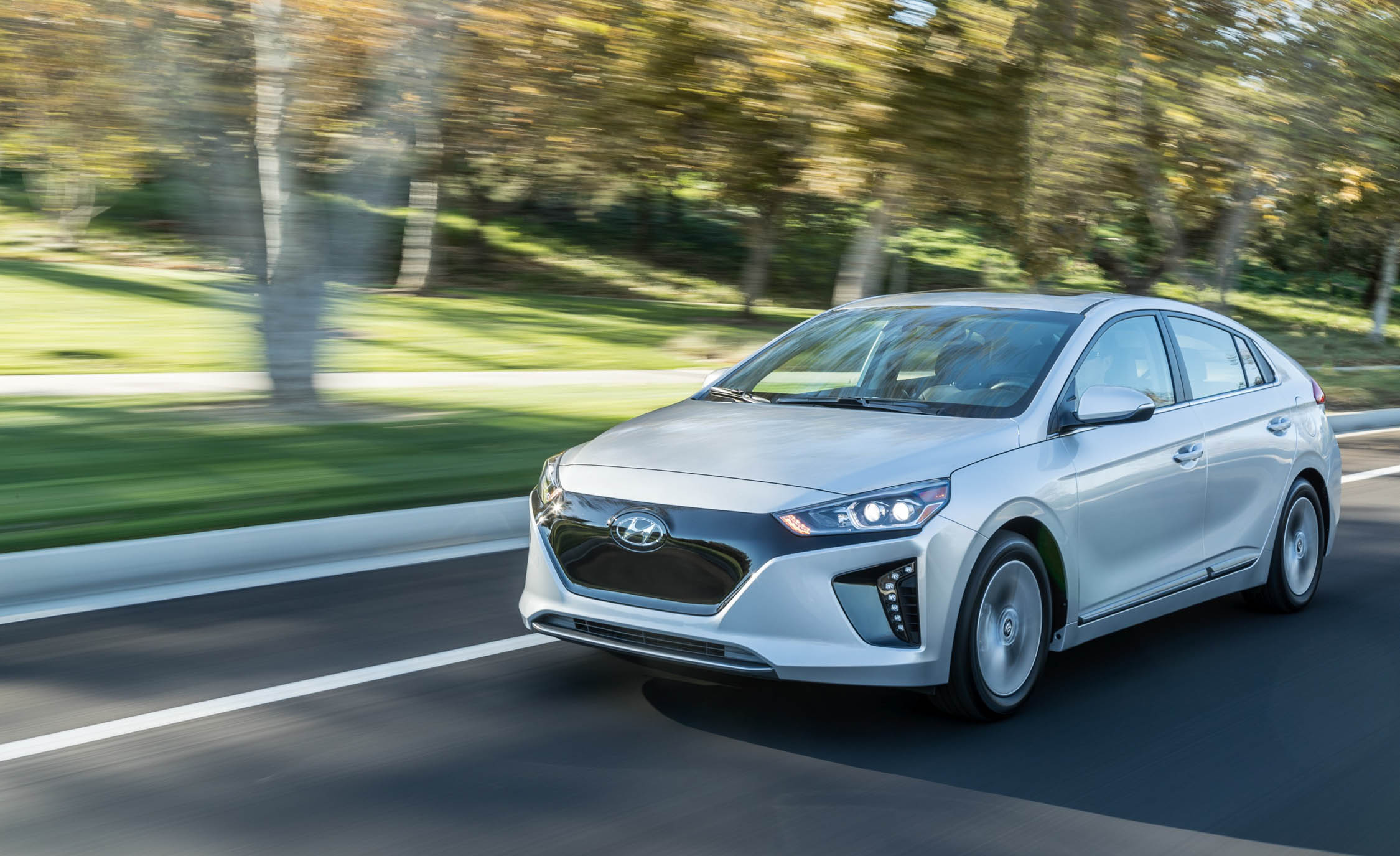 2017 Hyundai Ioniq Electric (Photo 1 of 67)