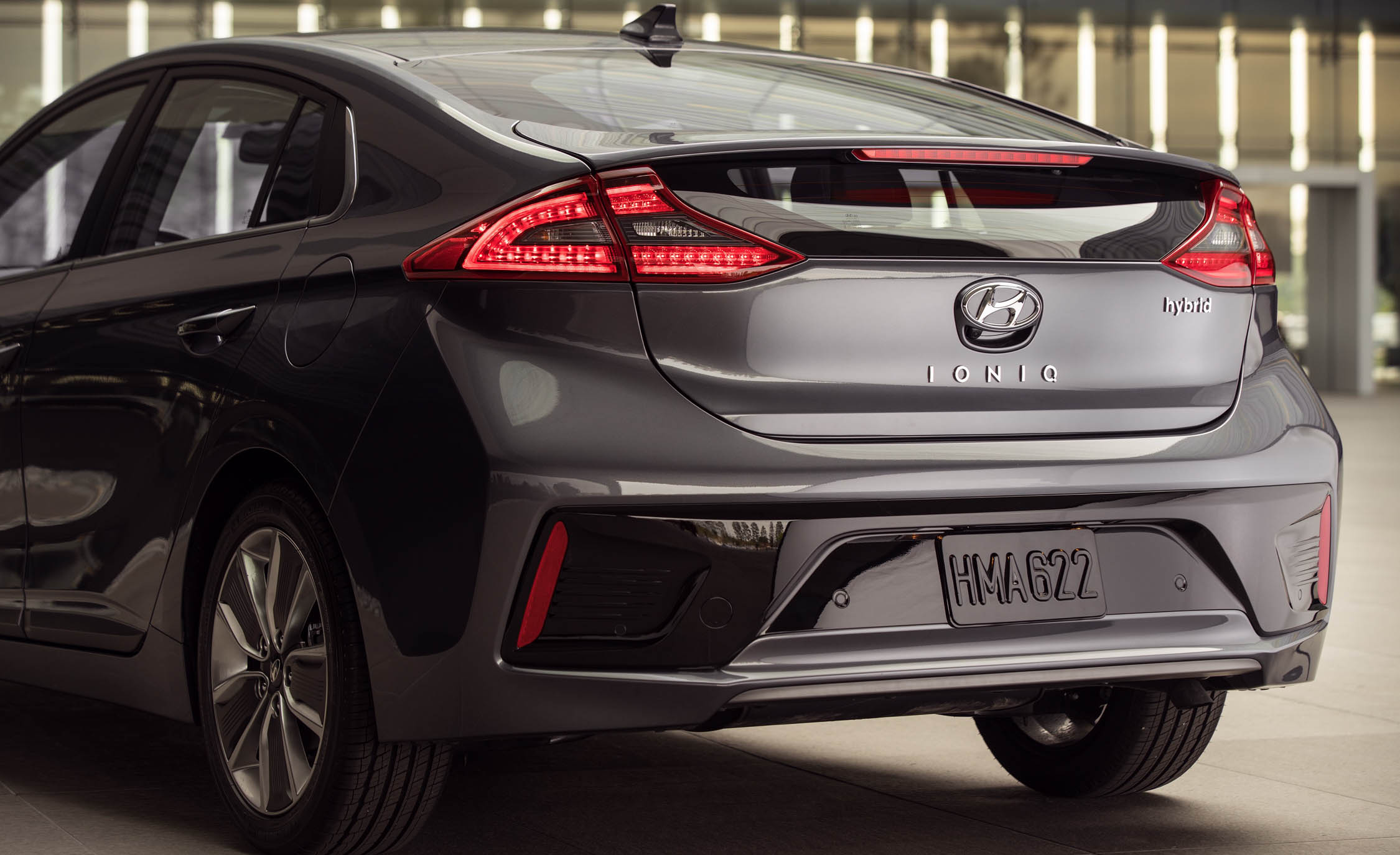 2017 Hyundai Ioniq Hybrid Exterior View Bumper Rear (Photo 44 of 67)