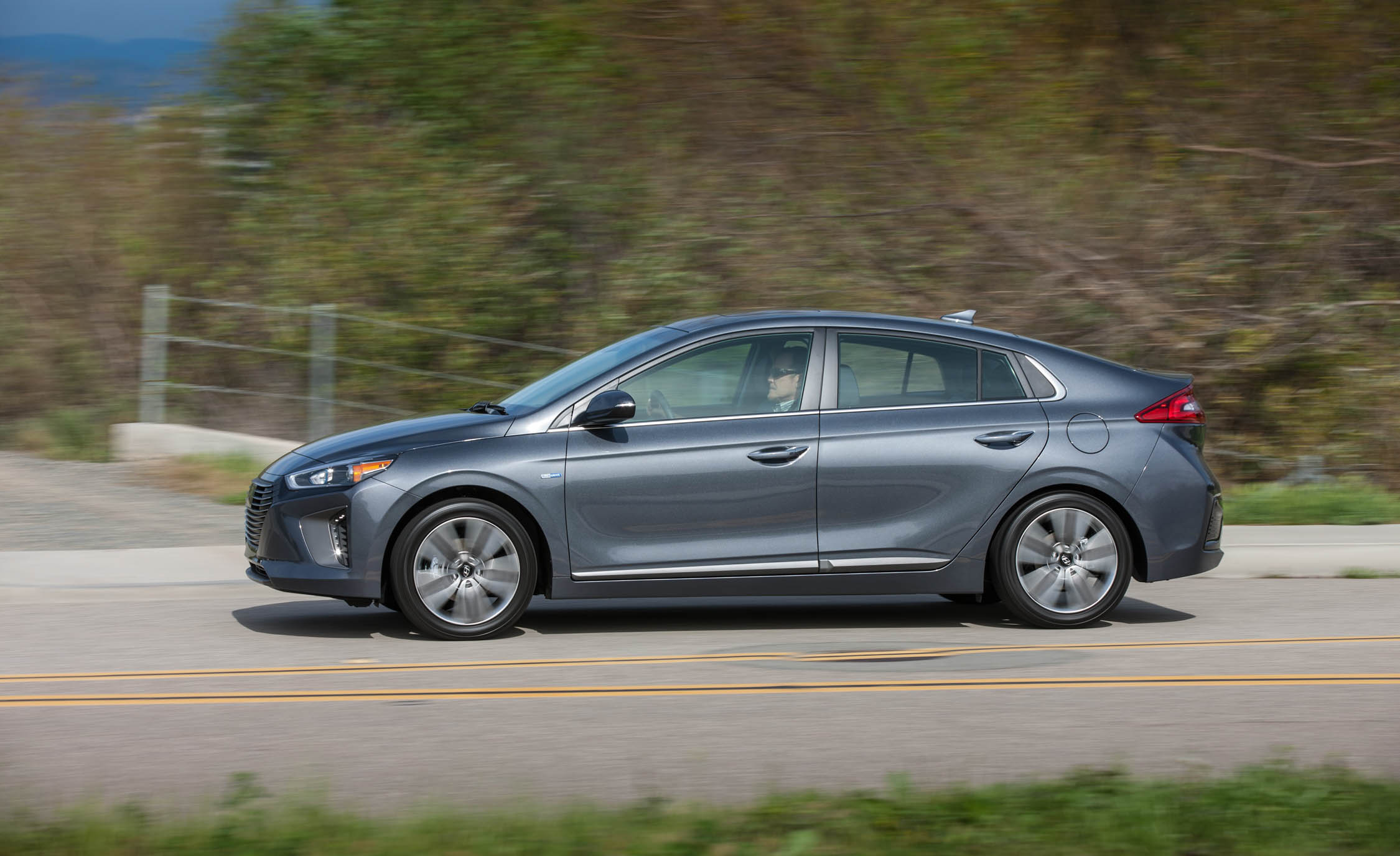 2017 Hyundai Ioniq Hybrid Test Drive Side View (Photo 66 of 67)