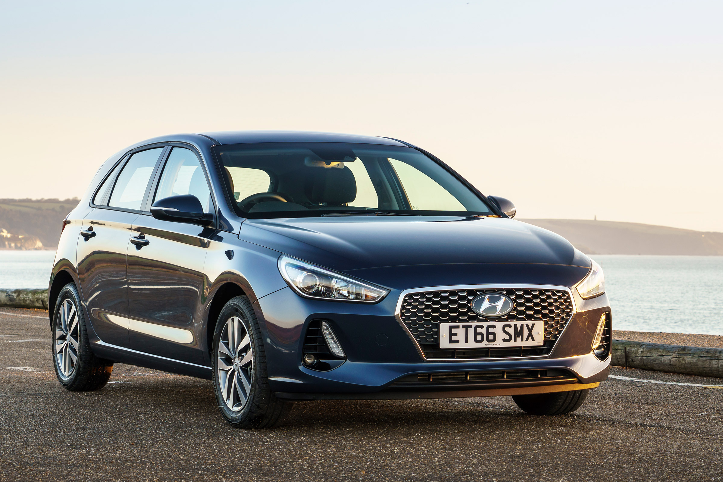 2017 Hyundai i30 Pictures Gallery (23 Images)