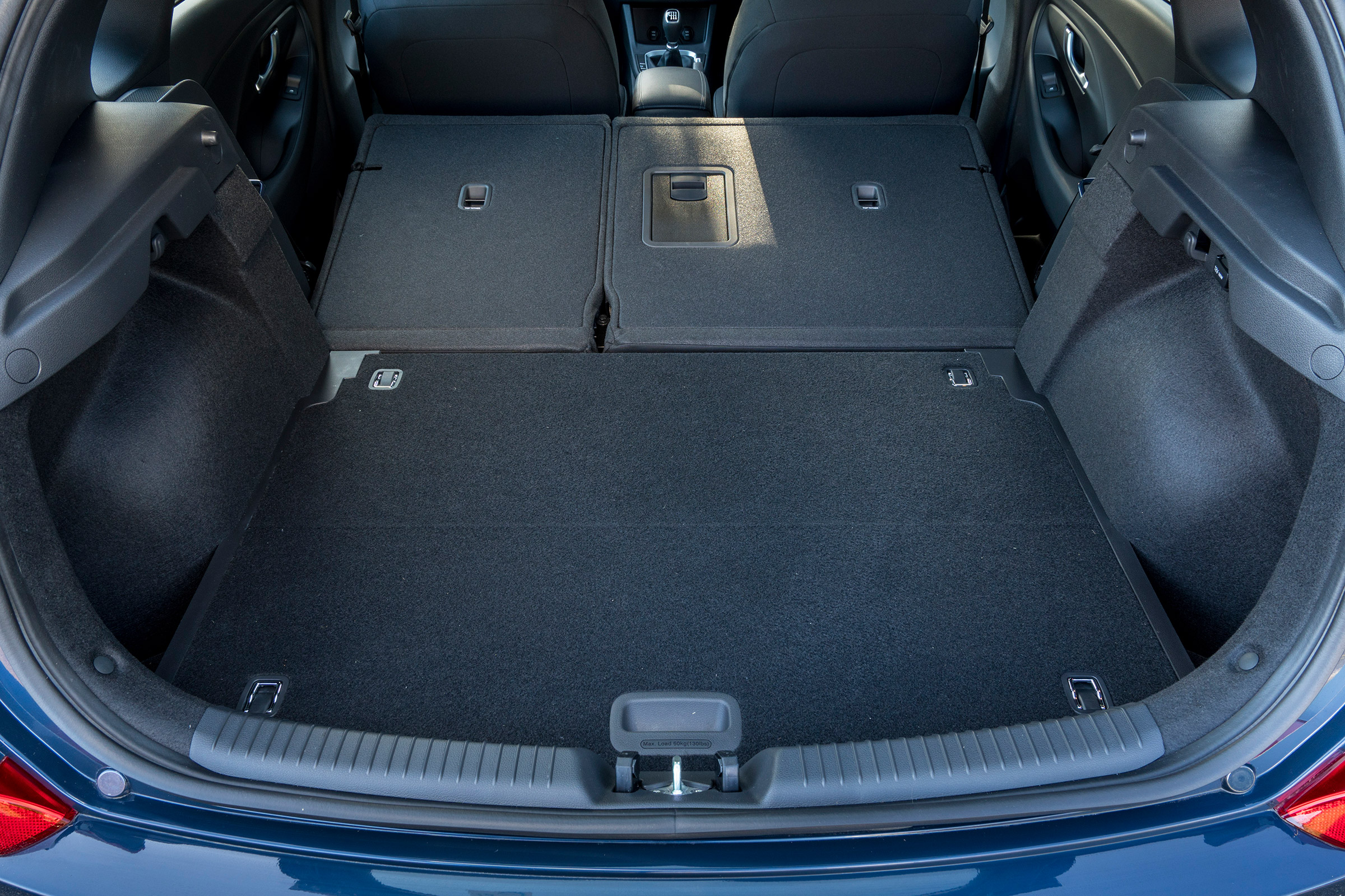 2017 Hyundai I30 Interior View Cargo Seats Folded (Photo 12 of 23)