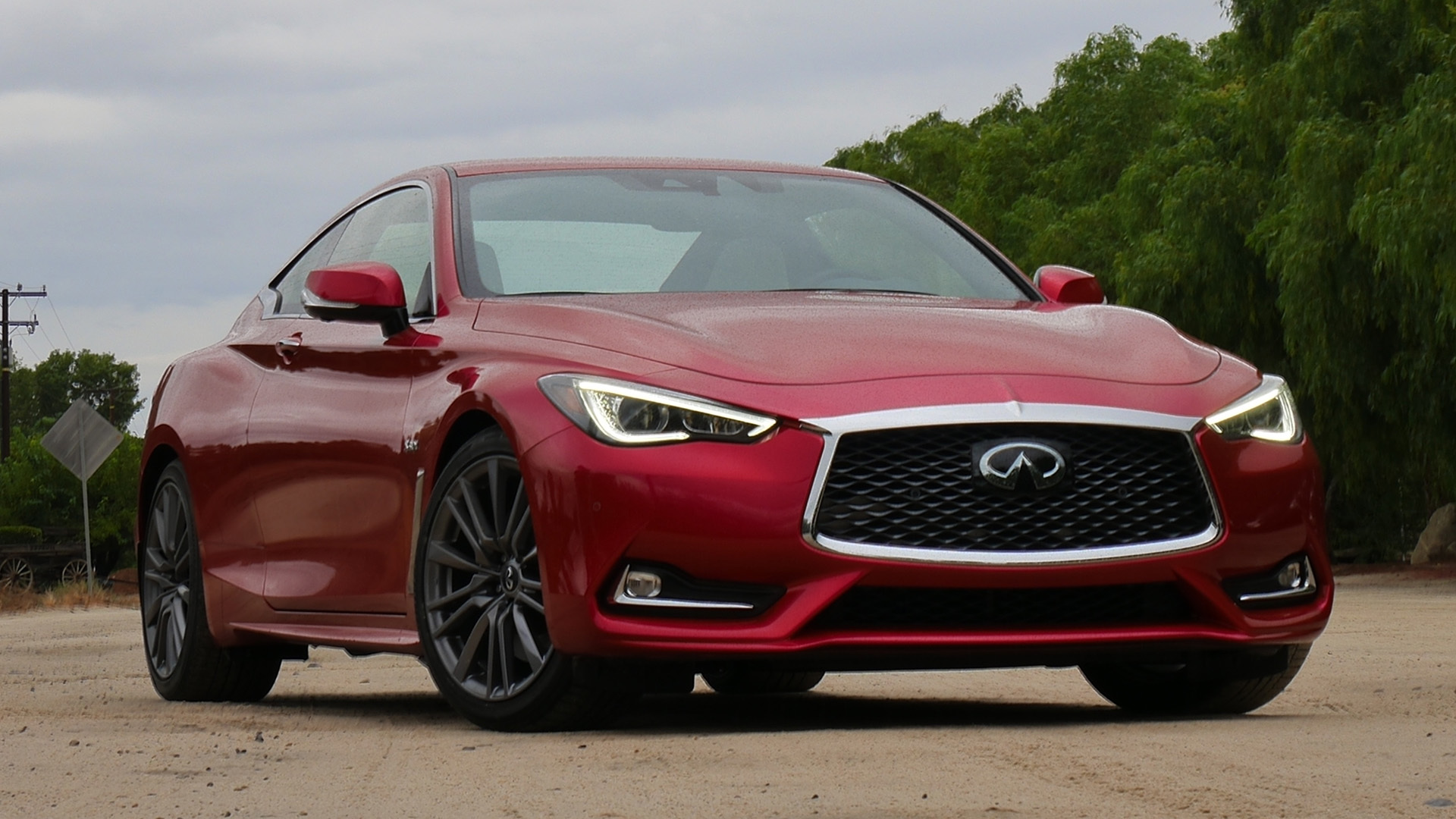 2017 Infiniti Q60 Red Exterior Front View (Photo 15 of 32)