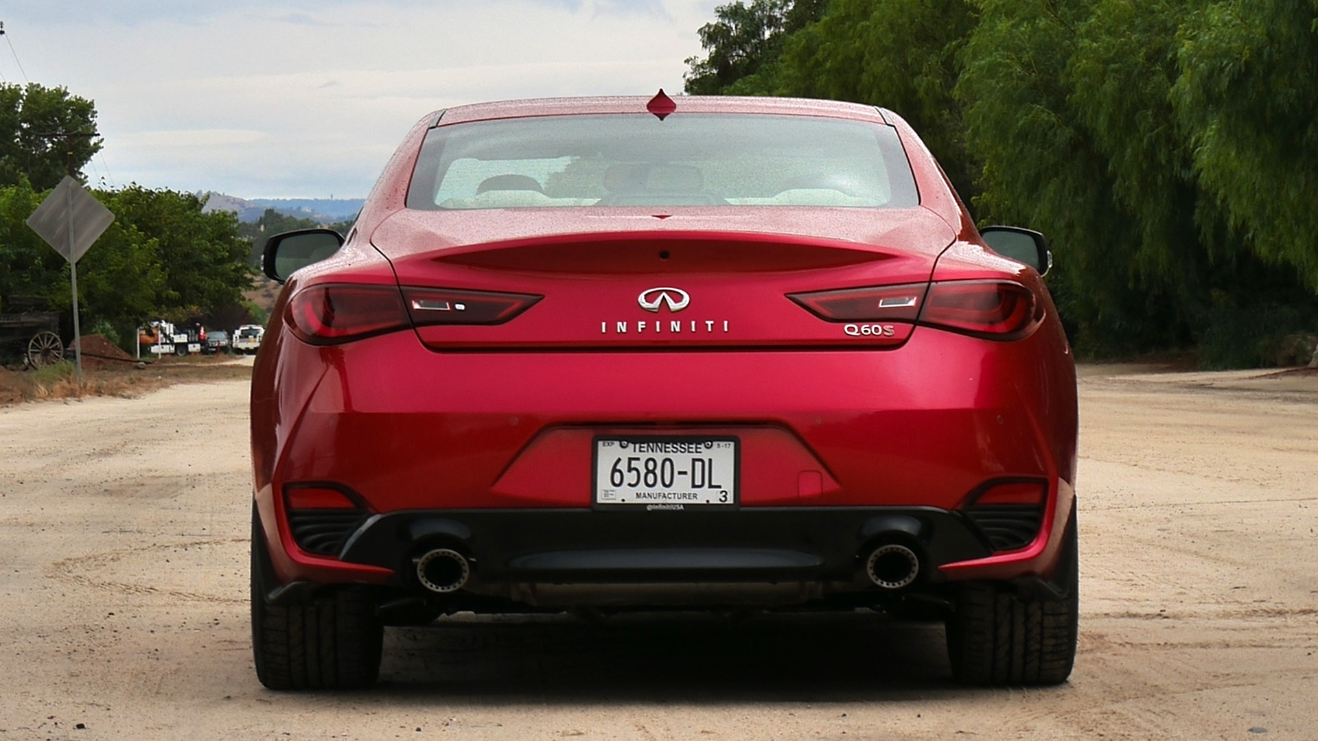 2017 Infiniti Q60 Red Exterior Rear (Photo 16 of 32)