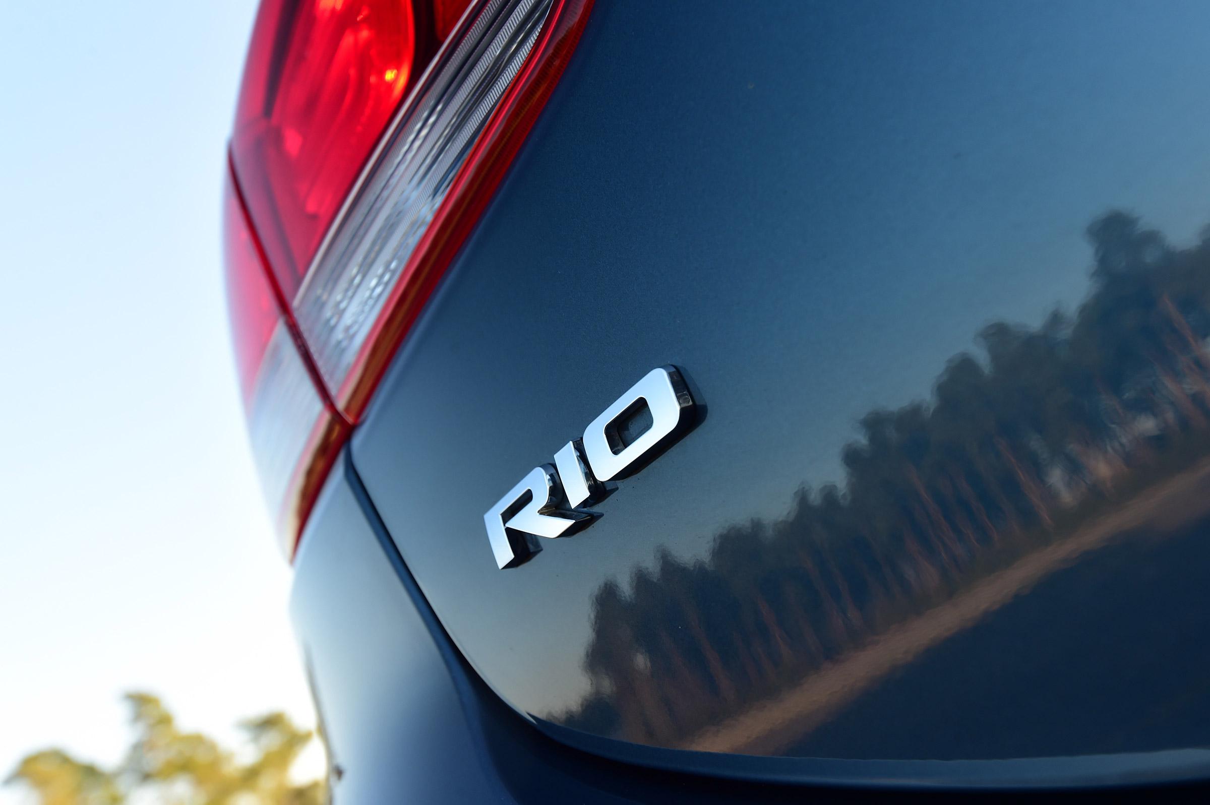 2017 Kia Rio Exterior View Rear Emblem (Photo 9 of 49)