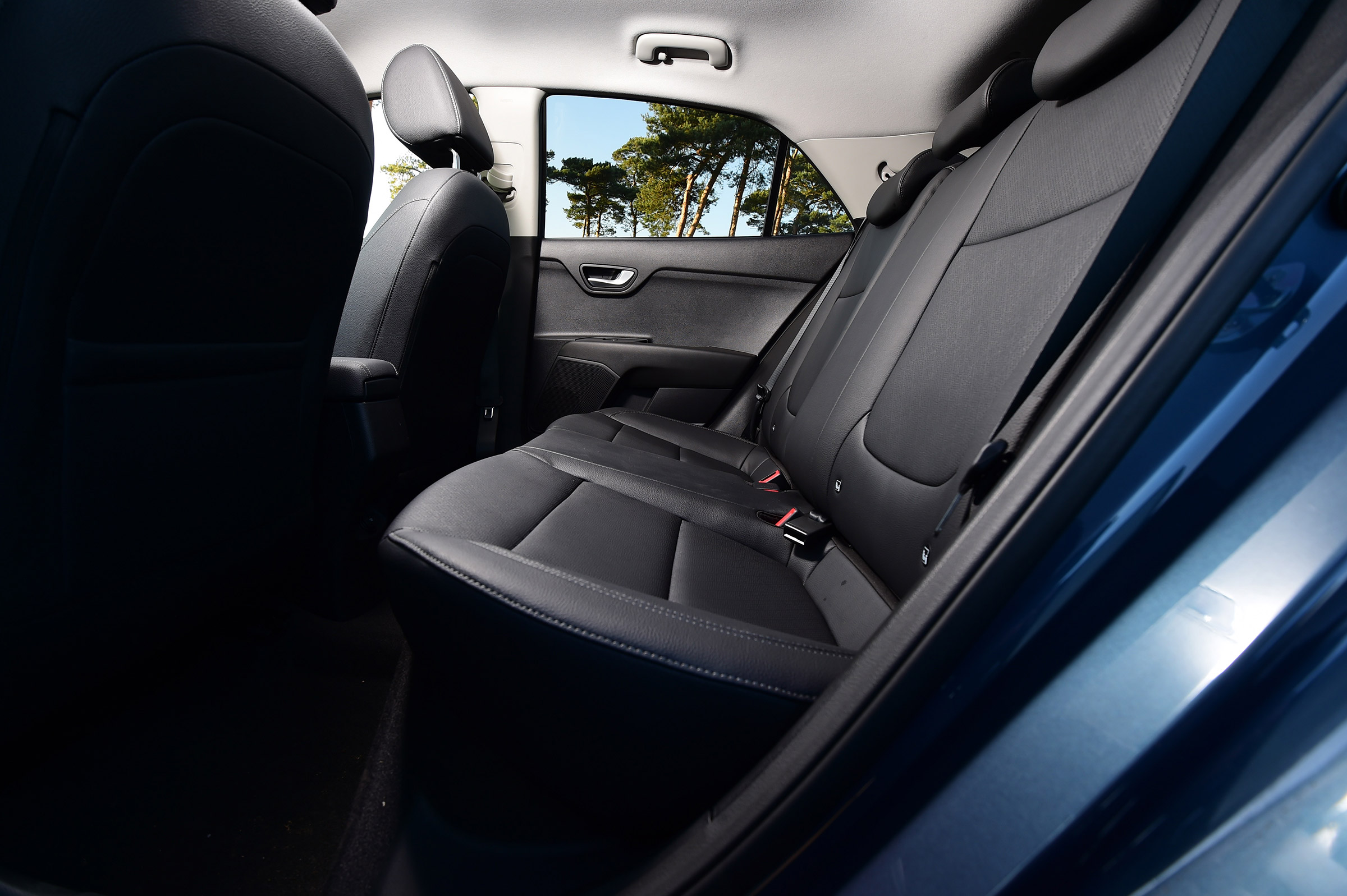 2017 Kia Rio Interior Seats Rear (Photo 14 of 49)