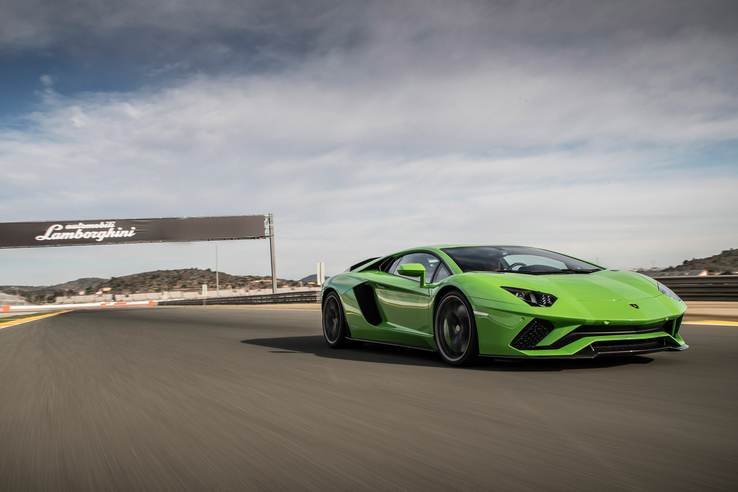 2017 Lamborghini Aventador S Circuit Test Front View (Photo 3 of 20)
